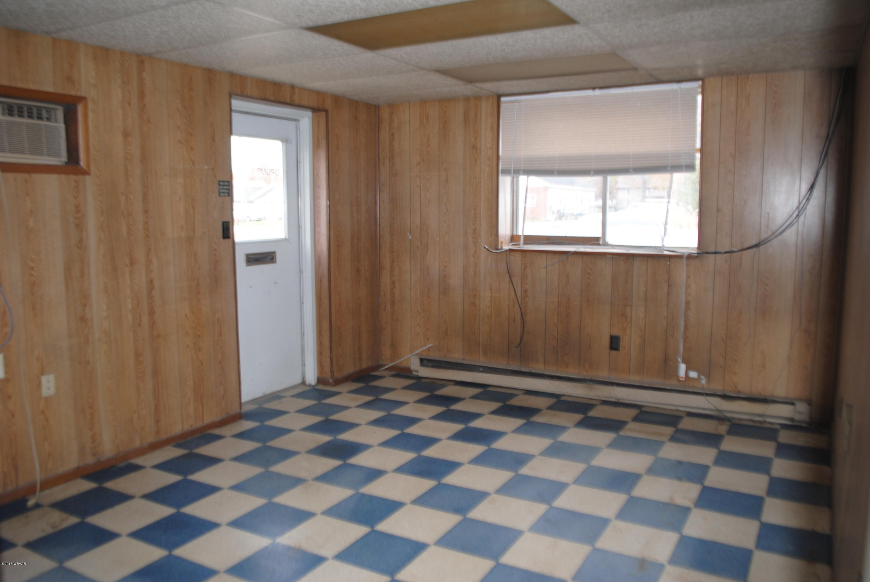 8855 PA-405 Montgomery,PA 17752,1 BathroomBathrooms,Comm/ind lease,PA-405,WB-88503