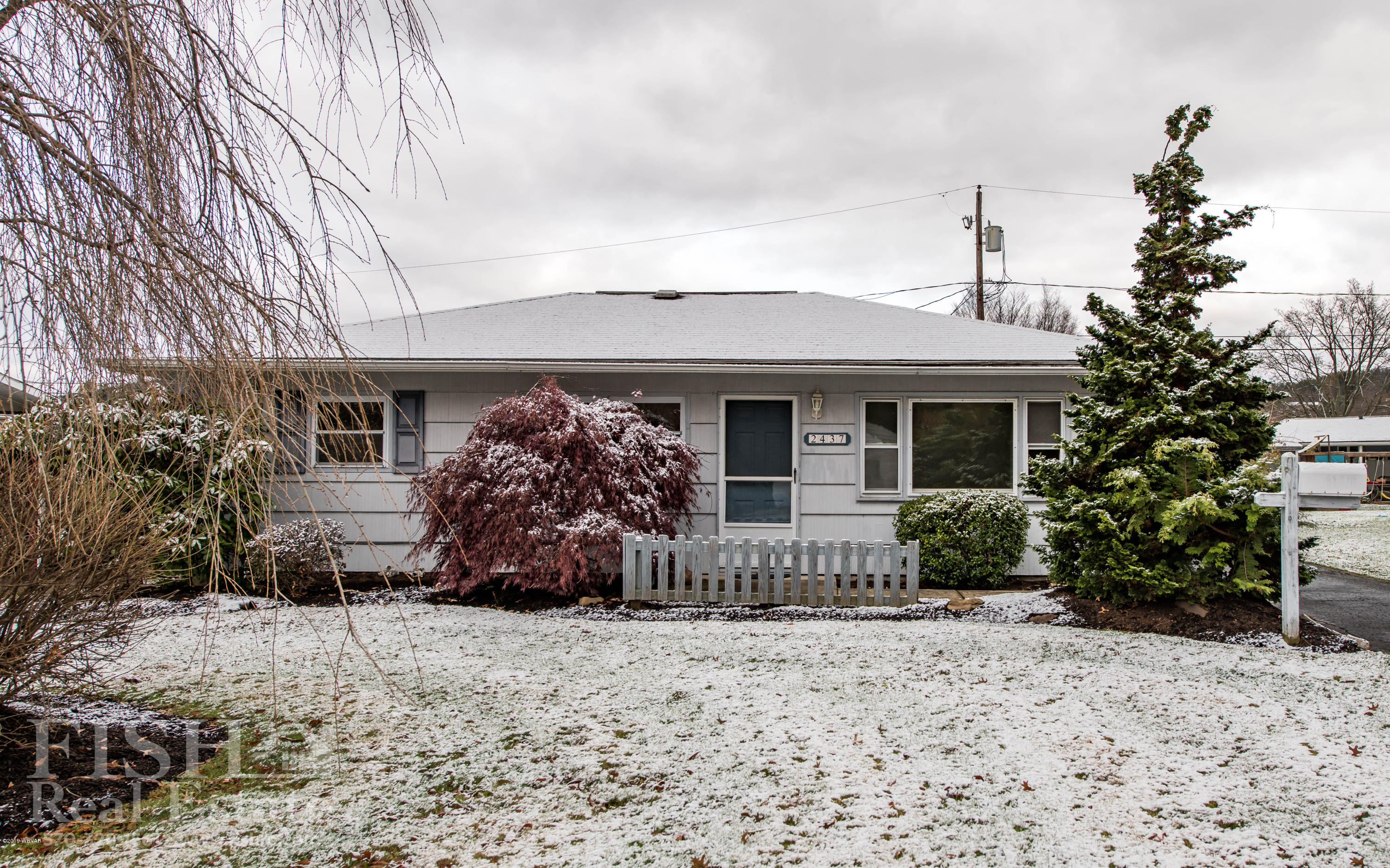 2437 LINCOLN DRIVE,Williamsport,PA 17701,2 Bedrooms Bedrooms,1 BathroomBathrooms,Residential,LINCOLN,WB-89076