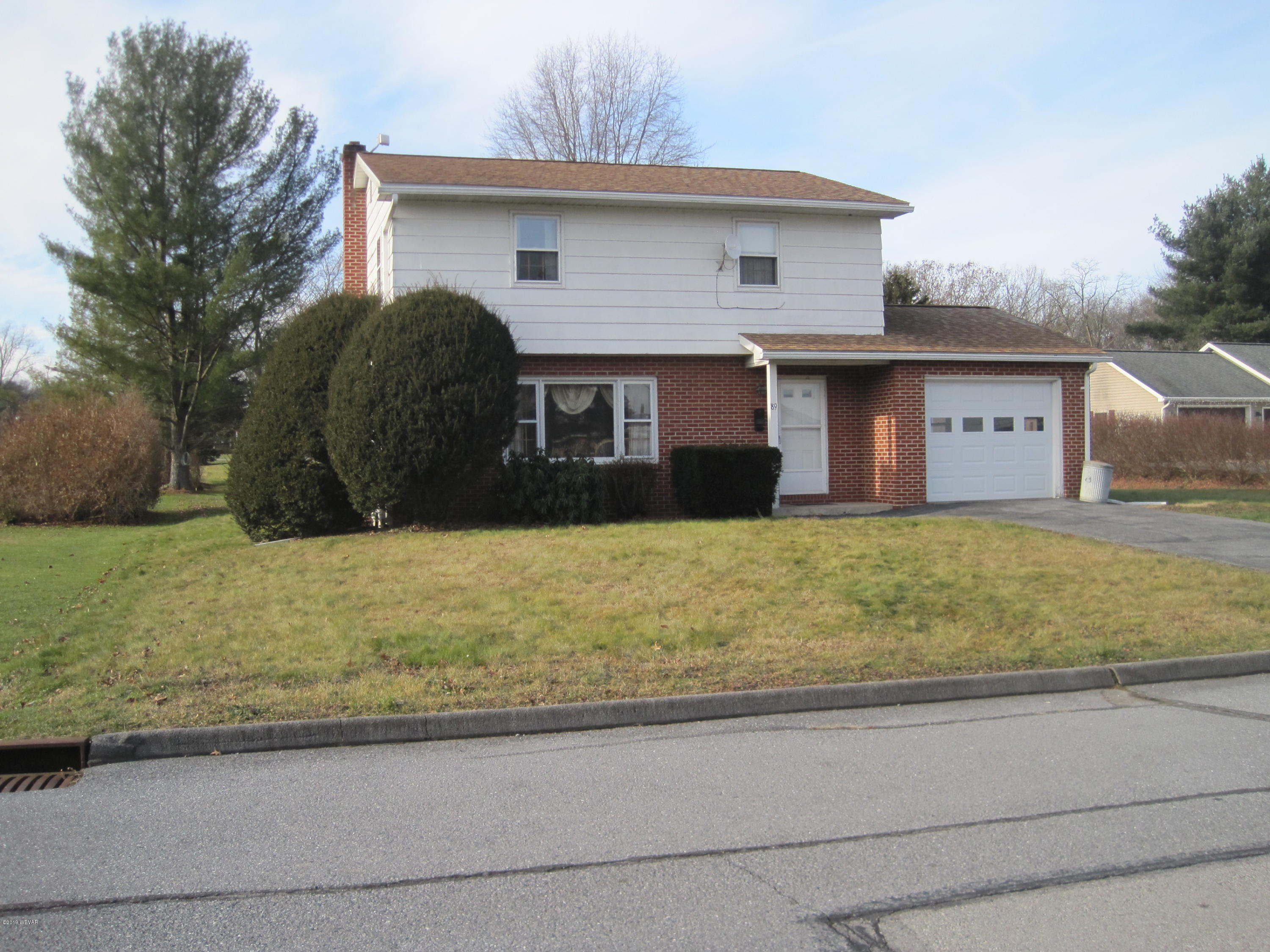 89 JAY STREET,Mill Hall,PA 17751,3 Bedrooms Bedrooms,2 BathroomsBathrooms,Residential,JAY,WB-89242