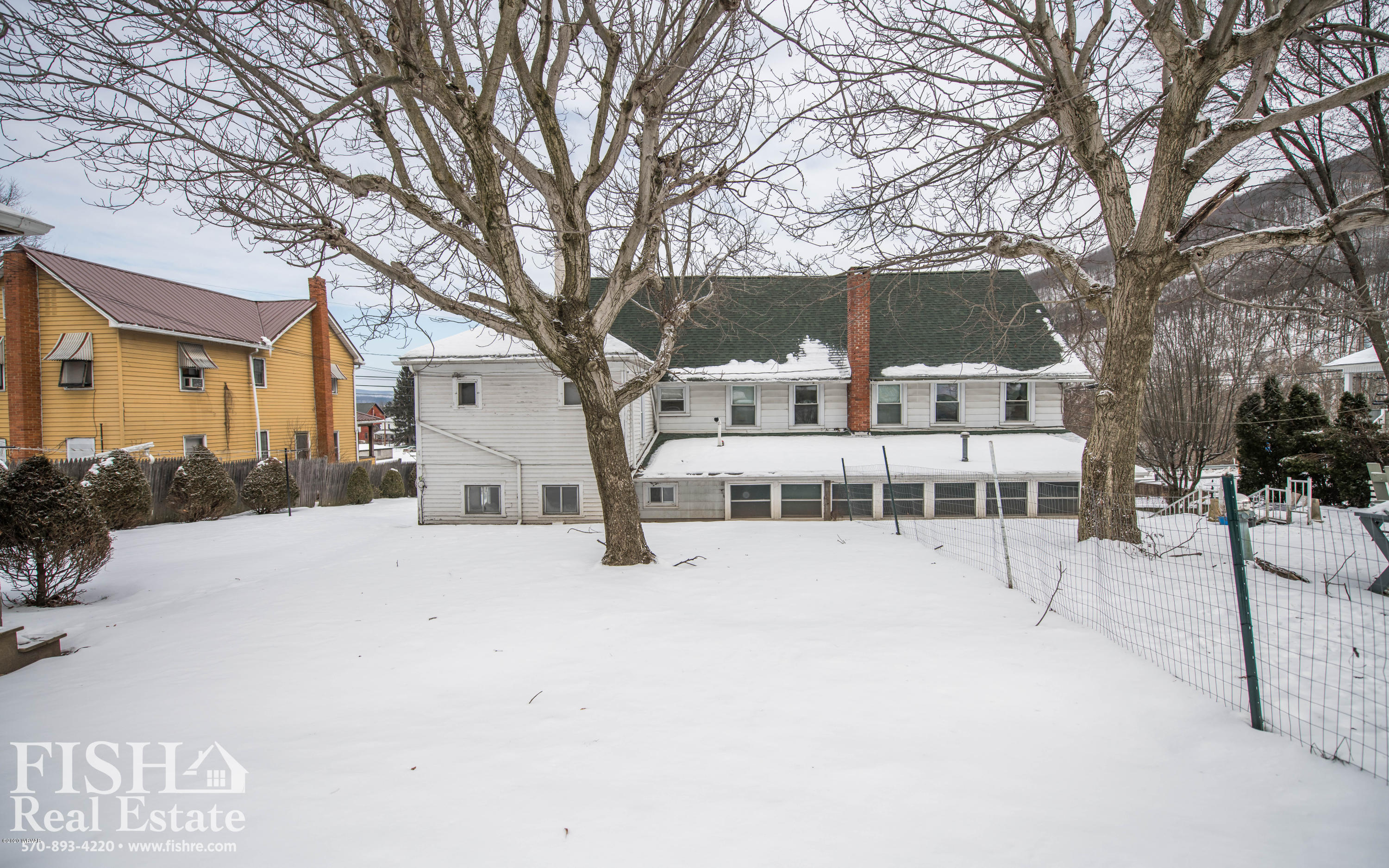 409-411 WATER STREET, Mill Hall, PA 17751, ,Multi-units,For sale,WATER,WB-89383