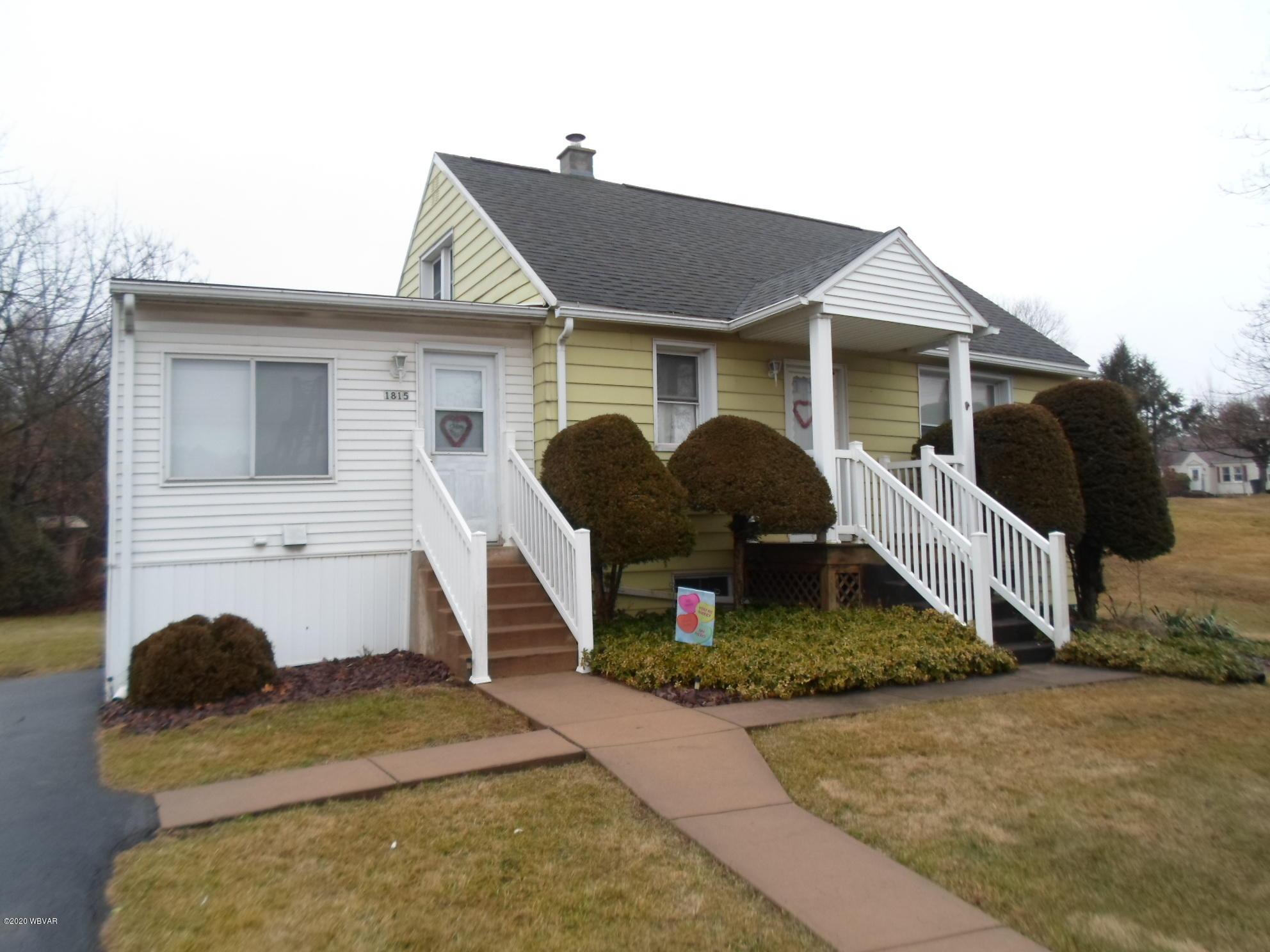 1815 DEWEY AVENUE, Williamsport, PA 17701, 3 Bedrooms Bedrooms, ,1 BathroomBathrooms,Residential,For sale,DEWEY,WB-89536