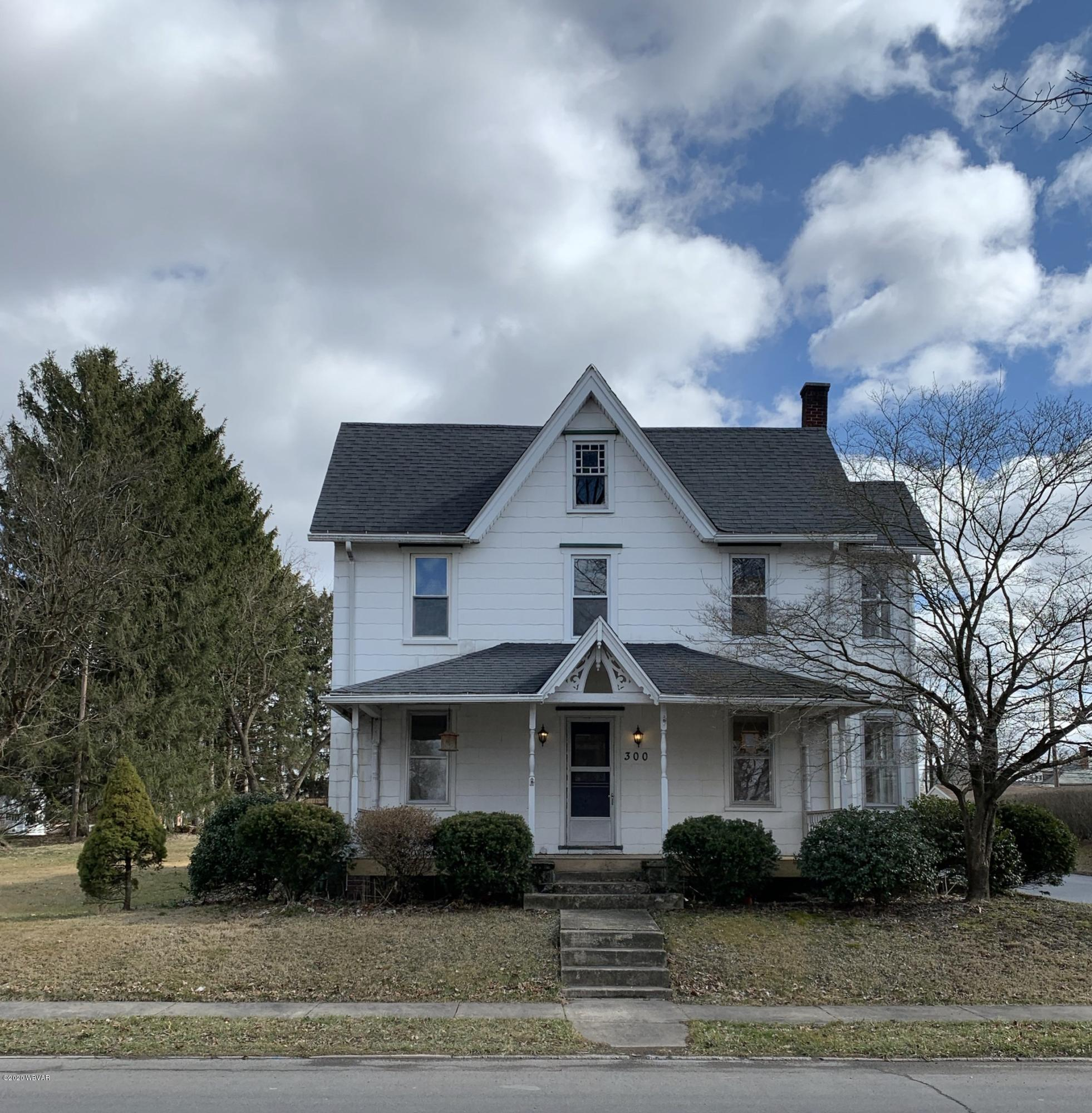 300 MONTOUR STREET,Montoursville,PA 17754,4 Bedrooms Bedrooms,1.5 BathroomsBathrooms,Residential,MONTOUR,WB-89690