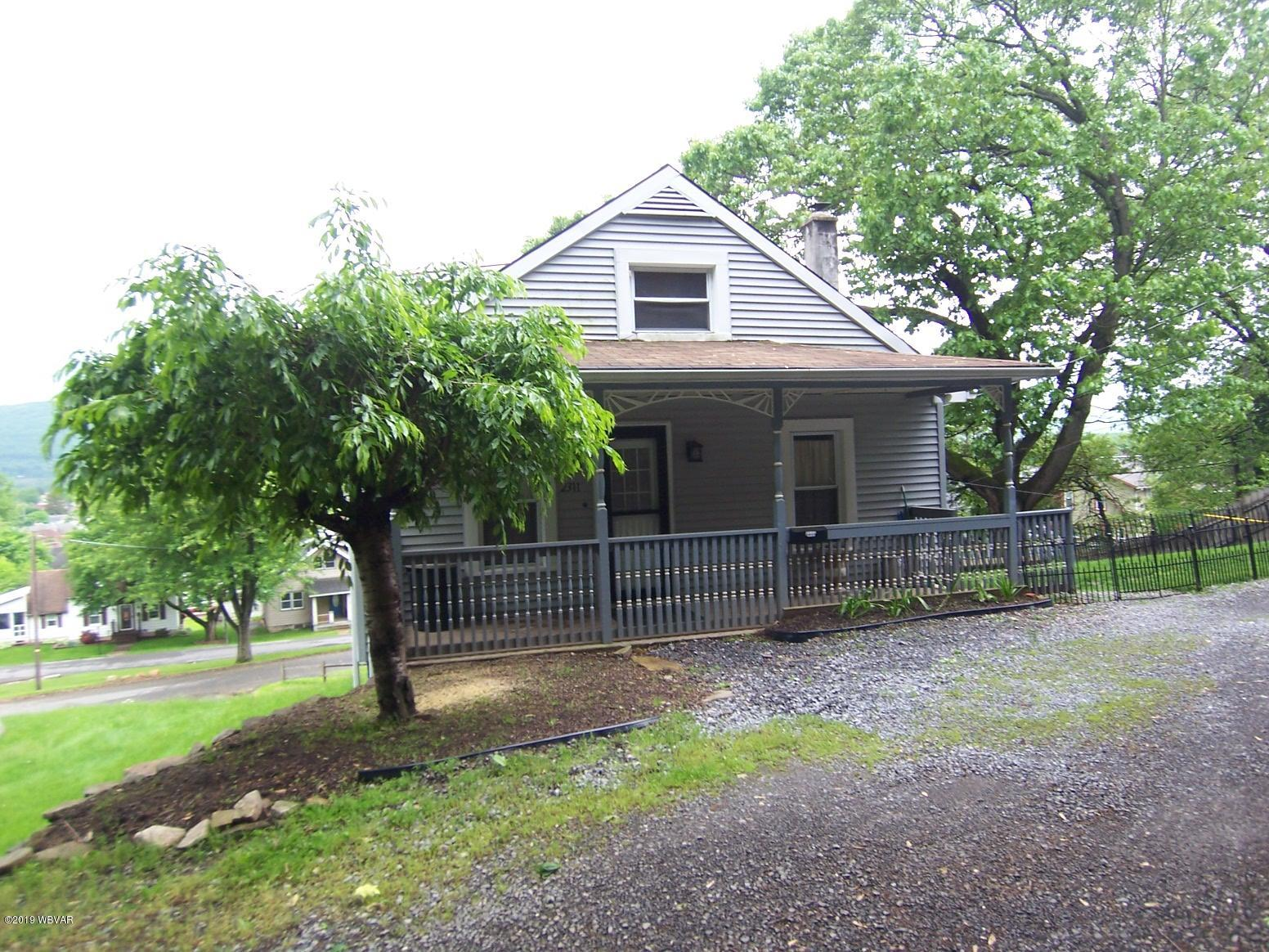 2311 HILLSIDE AVENUE,Williamsport,PA 17701,3 Bedrooms Bedrooms,1 BathroomBathrooms,Residential,HILLSIDE,WB-89850