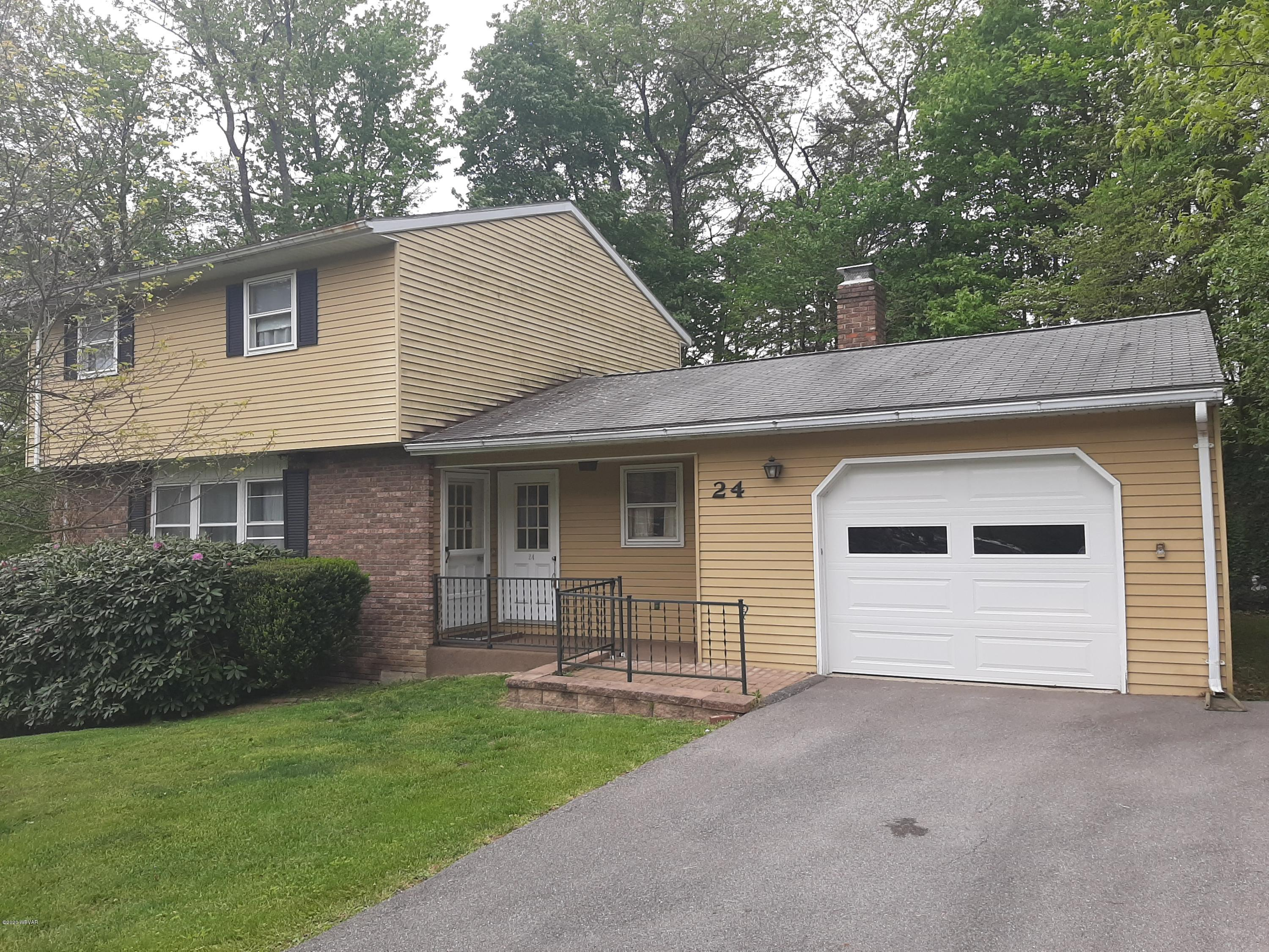 24 WOODLAND DRIVE,Lock Haven,PA 17745,3 Bedrooms Bedrooms,2 BathroomsBathrooms,Residential,WOODLAND,WB-90149