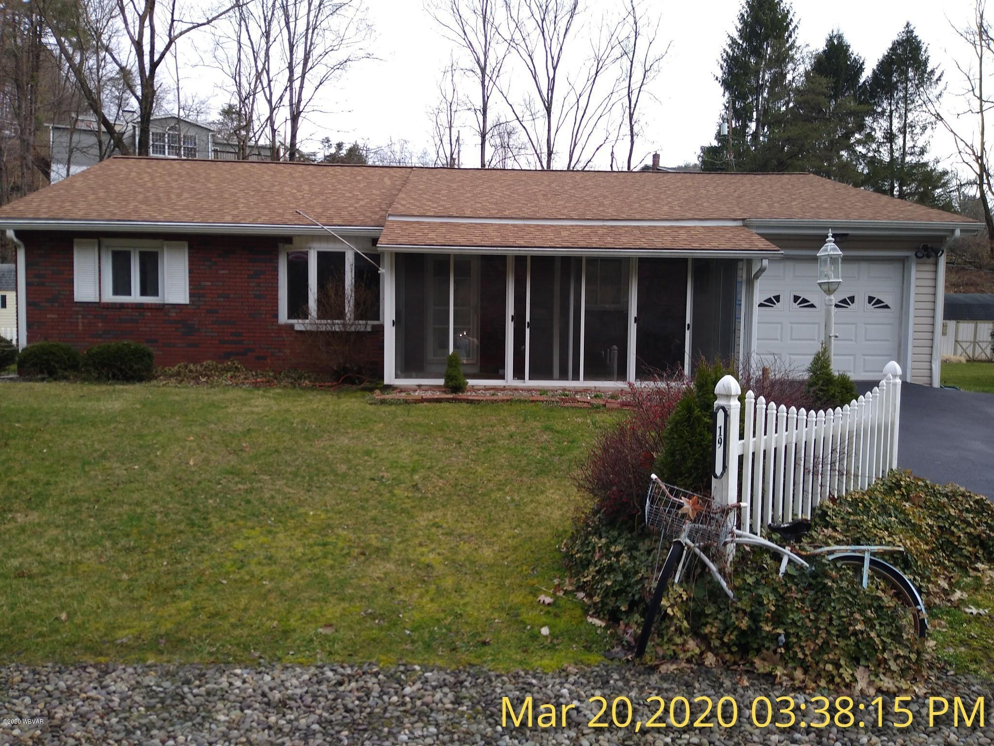 19 HICKORY DRIVE,Lock Haven,PA 17745,3 Bedrooms Bedrooms,2 BathroomsBathrooms,Residential,HICKORY,WB-90151