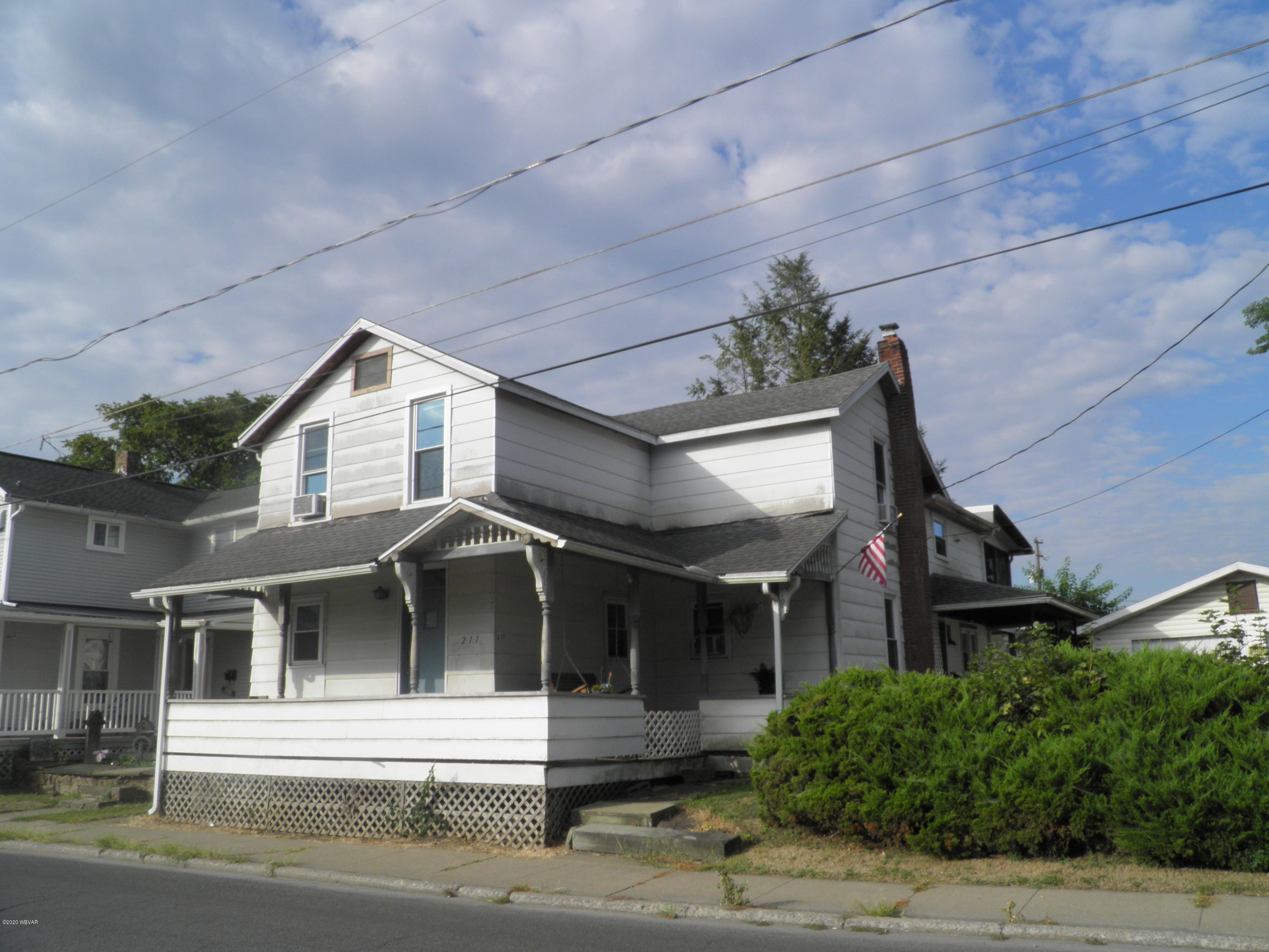 211 PARK STREET, Lock Haven, PA 17745, ,Multi-units,For sale,PARK,WB-90931