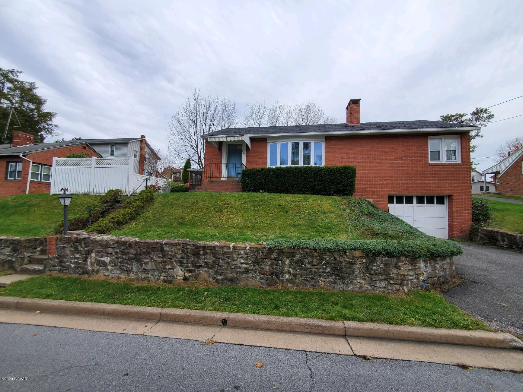 120 CENTER STREET, Lock Haven, PA 17745, 2 Bedrooms Bedrooms, ,1 BathroomBathrooms,Residential,For sale,CENTER,WB-91539