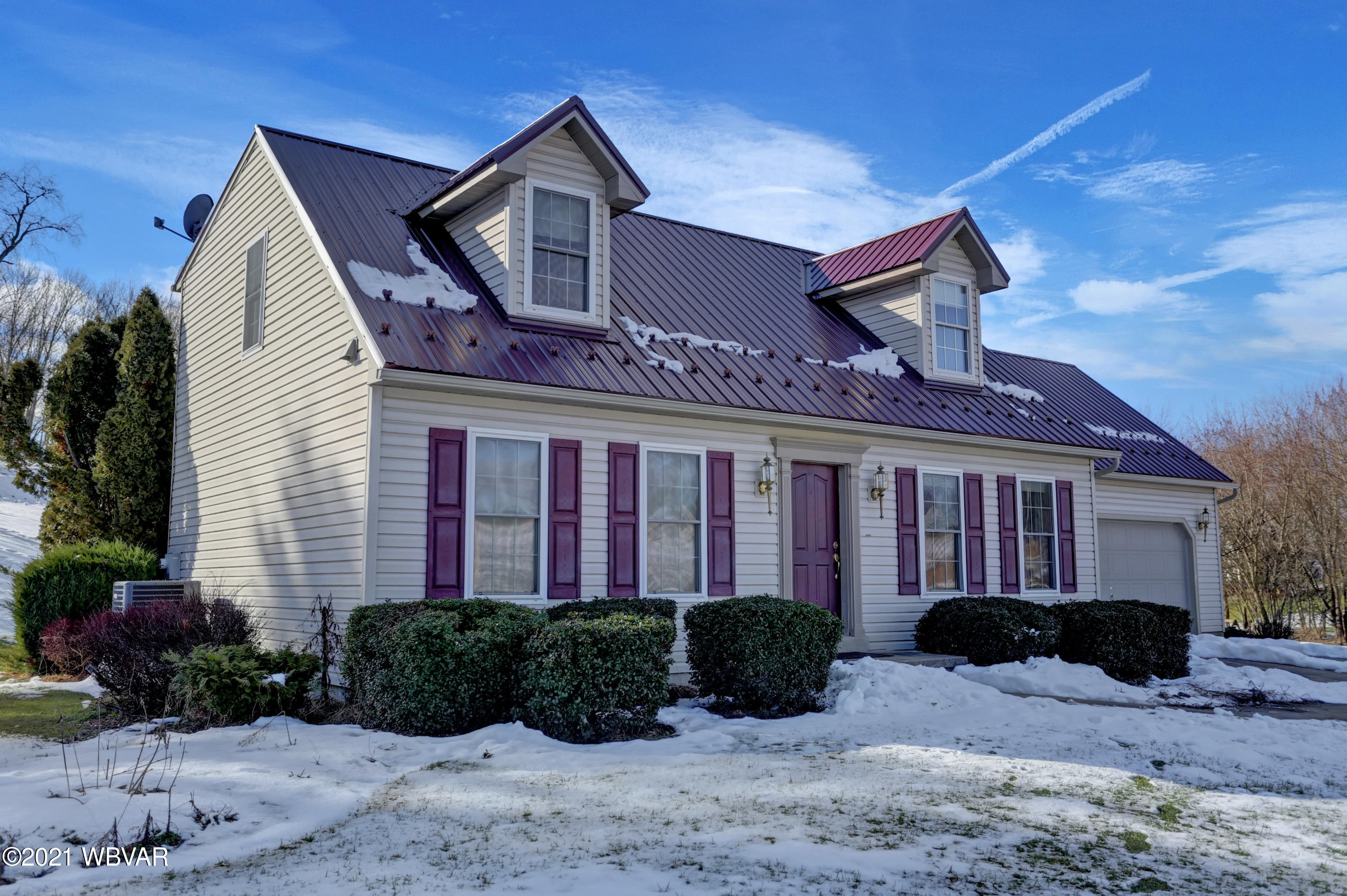 681 FILE ROAD, Milton, PA 17847, 4 Bedrooms Bedrooms, ,4 BathroomsBathrooms,Residential,For sale,FILE,WB-91727
