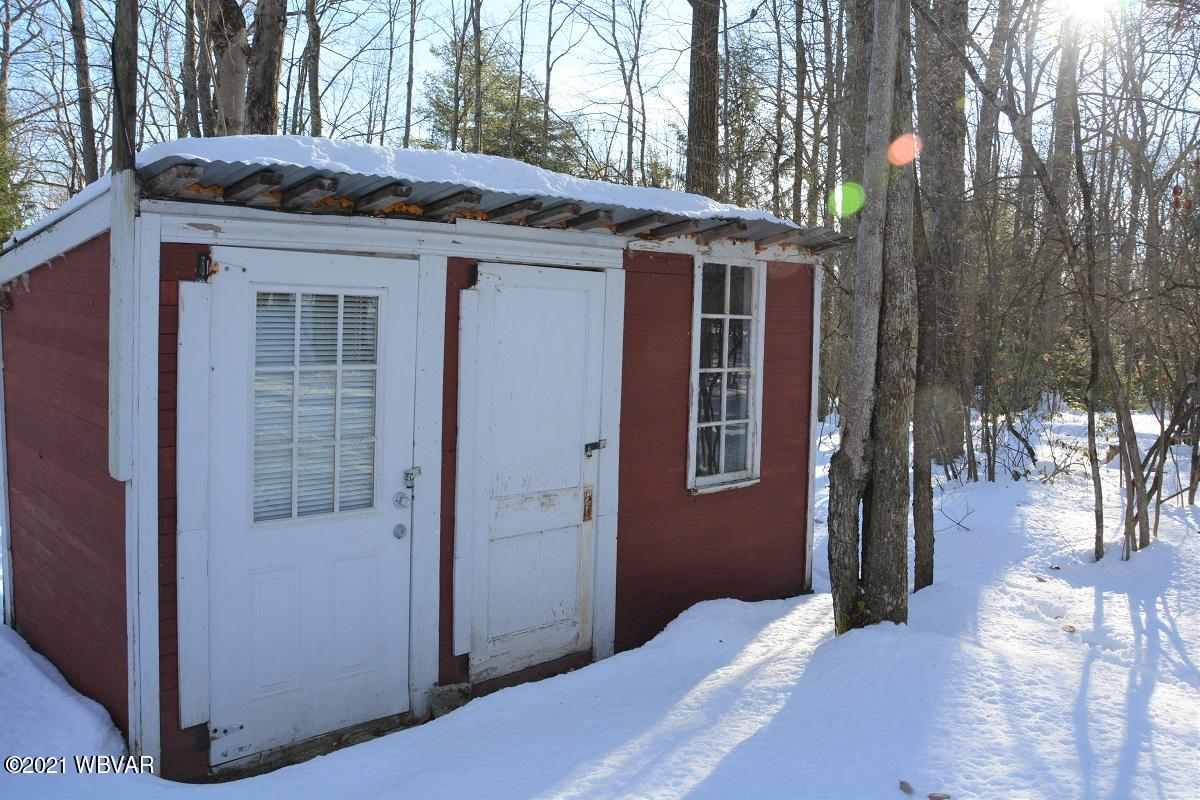 289 MOSCH ONE LANE, Lock Haven, PA 17745, 3 Bedrooms Bedrooms, ,Cabin/vacation home,For sale,MOSCH ONE,WB-91732