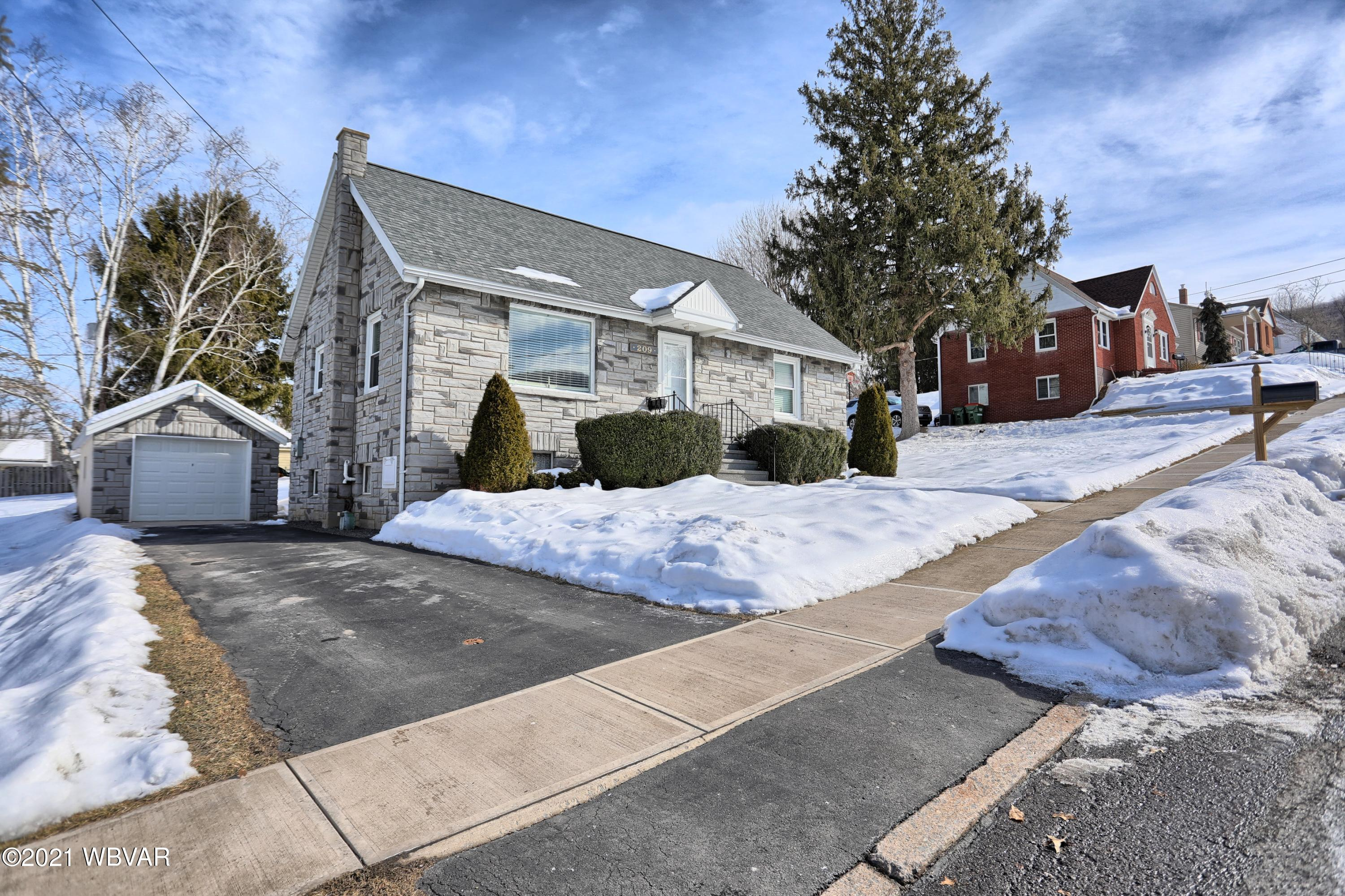 209 SUMMER STREET, Duboistown, PA 17702, 3 Bedrooms Bedrooms, ,1 BathroomBathrooms,Residential,For sale,SUMMER,WB-91909
