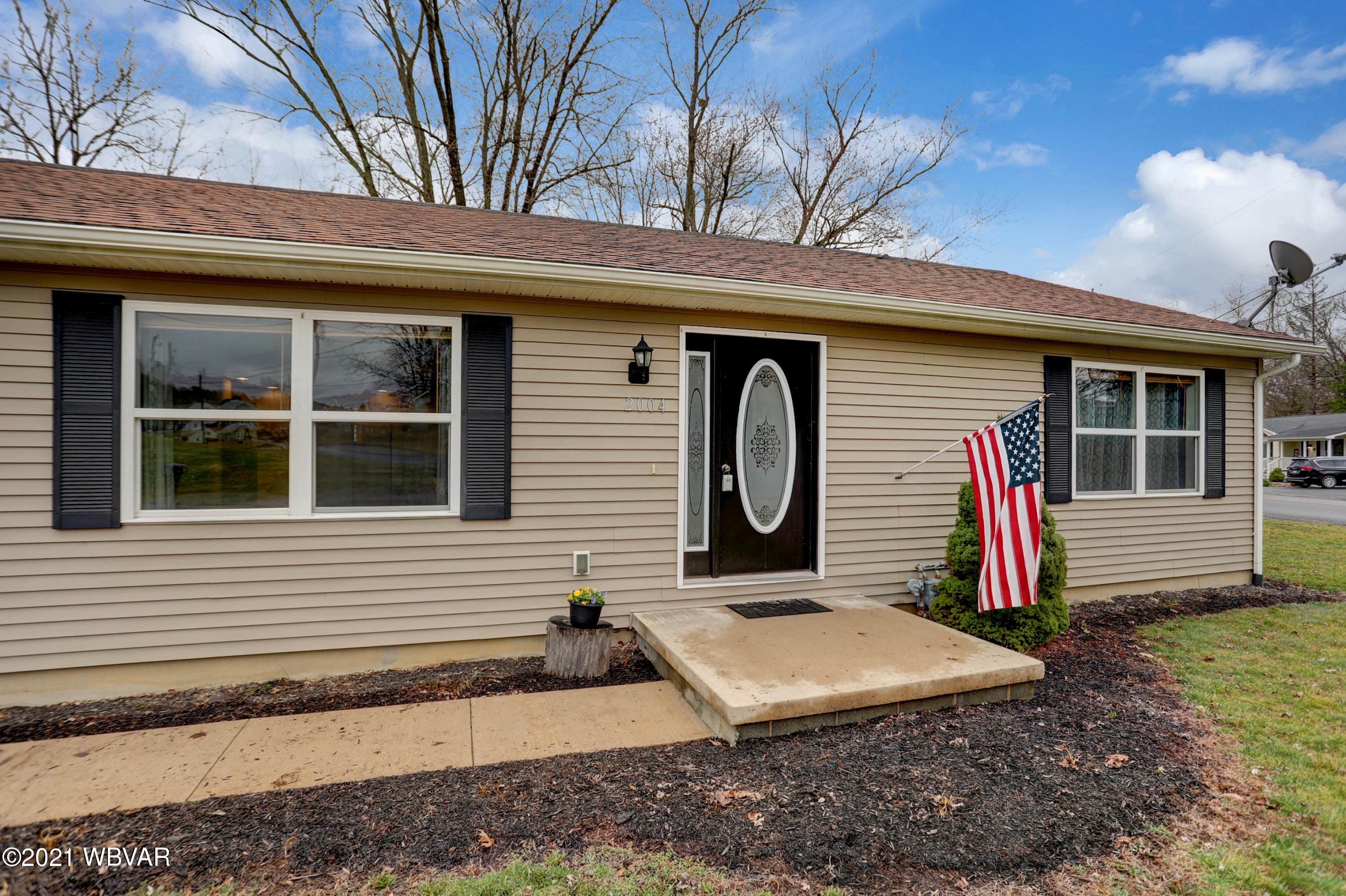 2004 YALE AVENUE, Williamsport, PA 17701, 3 Bedrooms Bedrooms, ,2 BathroomsBathrooms,Residential,For sale,YALE,WB-92149