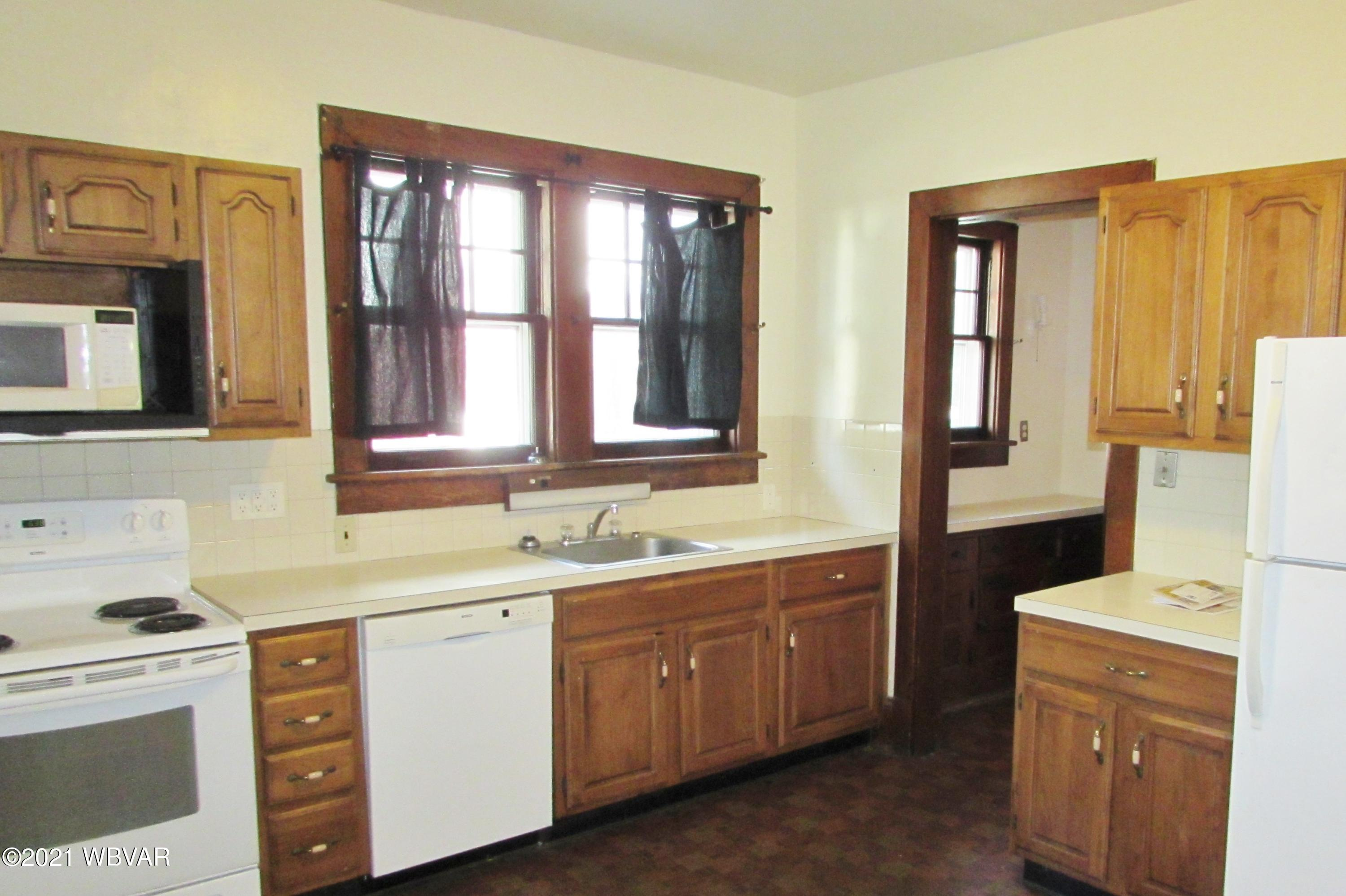 515 MAIN STREET, Lock Haven, PA 17745, 5 Bedrooms Bedrooms, ,2 BathroomsBathrooms,Residential,For sale,MAIN,WB-92239