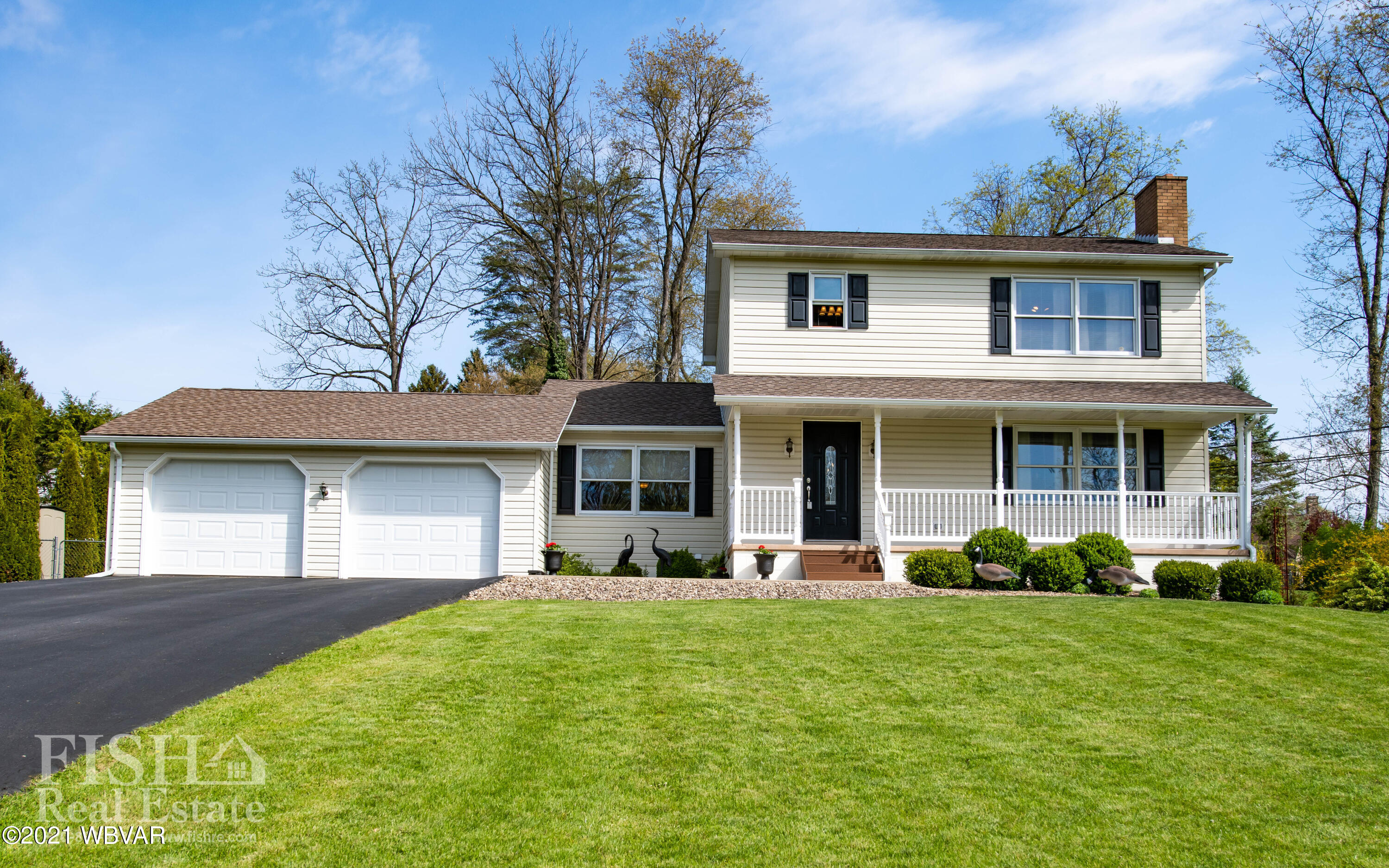 23 SOUTH LANE, Lock Haven, PA 17745, 4 Bedrooms Bedrooms, ,4 BathroomsBathrooms,Residential,For sale,SOUTH,WB-92438