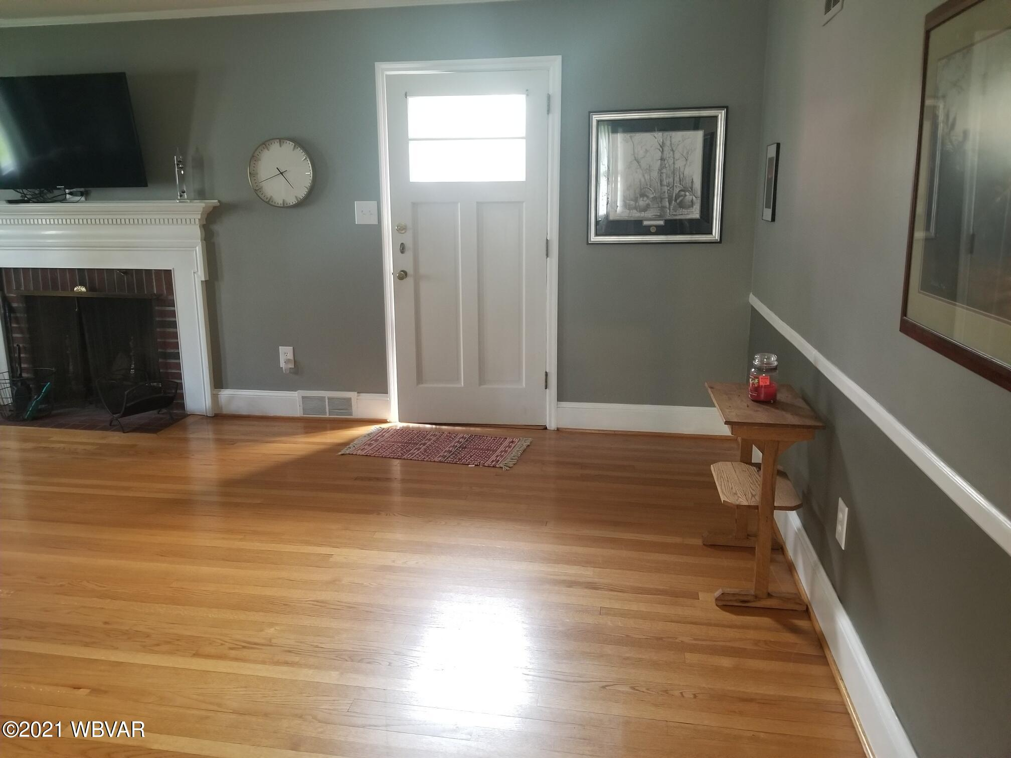 1605 LINCOLN AVENUE, Williamsport, PA 17701, 3 Bedrooms Bedrooms, ,1.5 BathroomsBathrooms,Residential,For sale,LINCOLN,WB-92472