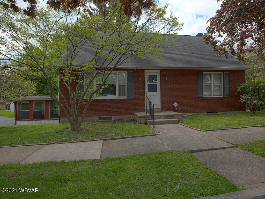 435 VERNON AVENUE, Williamsport, PA 17701, 3 Bedrooms Bedrooms, ,3 BathroomsBathrooms,Residential,For sale,VERNON,WB-92510