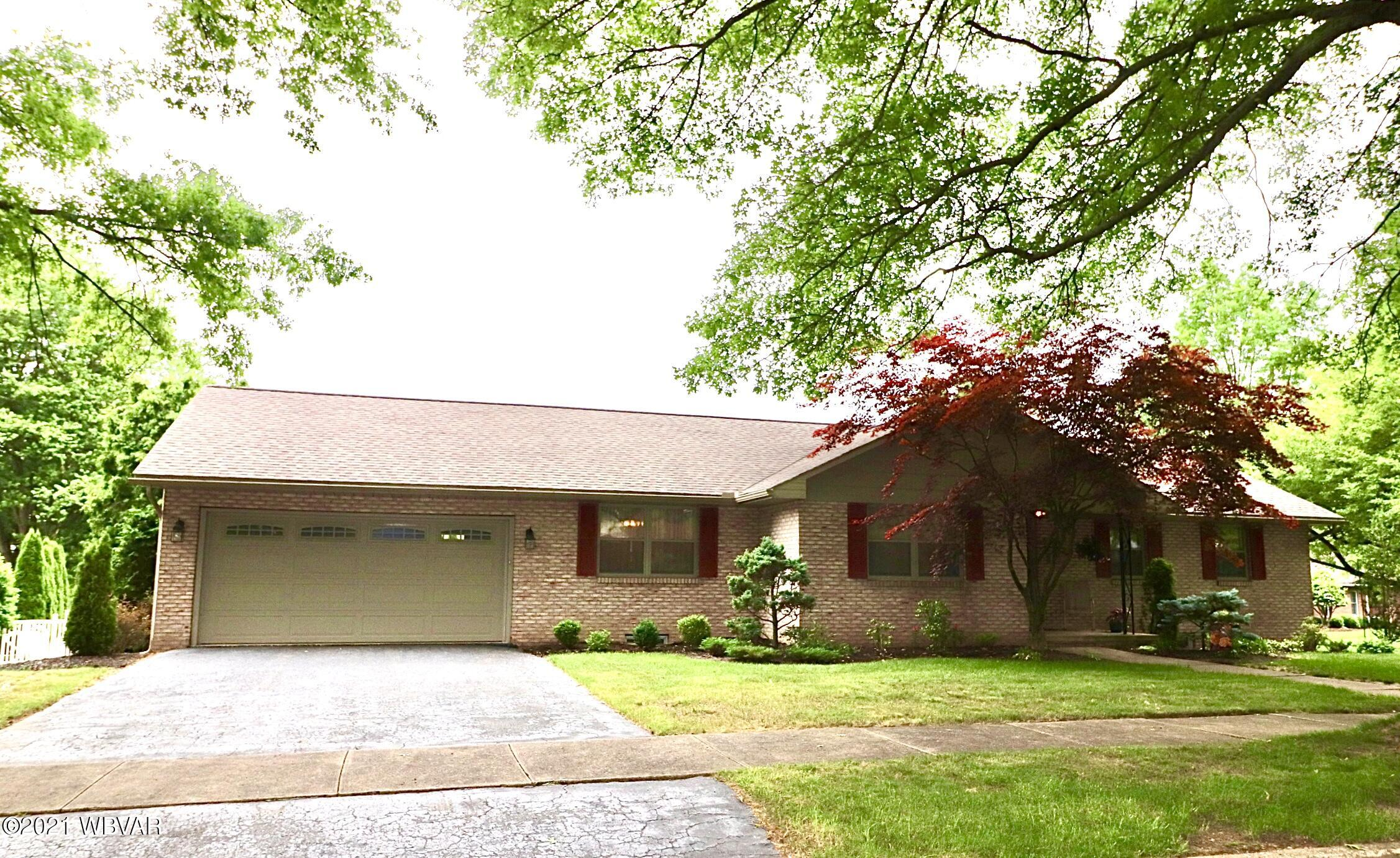 815 CANTERBURY ROAD, Williamsport, PA 17701, 3 Bedrooms Bedrooms, ,3 BathroomsBathrooms,Residential,For sale,CANTERBURY,WB-92756