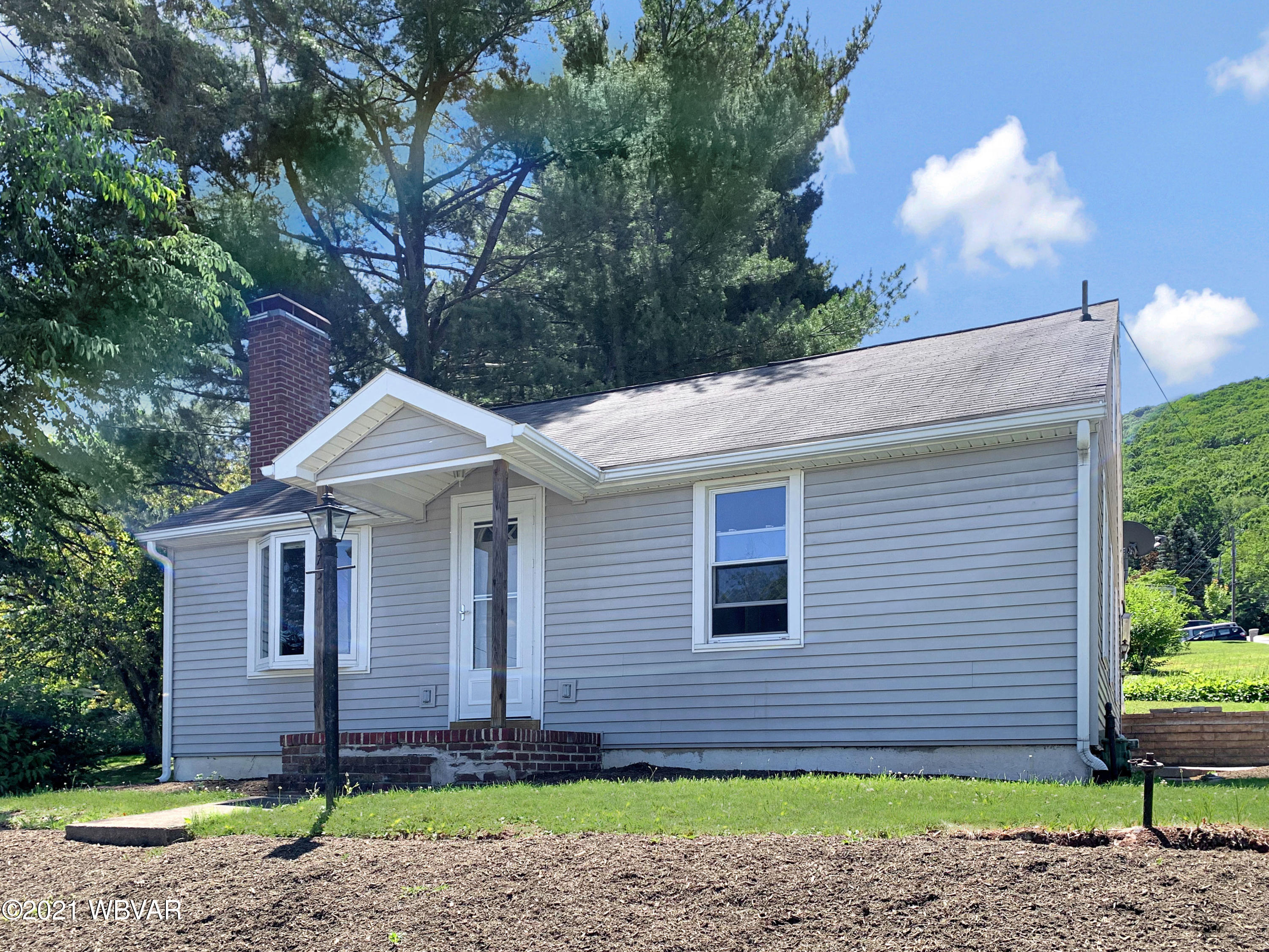 1375 MOUNTAIN AVENUE, S. Williamsport, PA 17702, 2 Bedrooms Bedrooms, ,1 BathroomBathrooms,Residential,For sale,MOUNTAIN,WB-92809