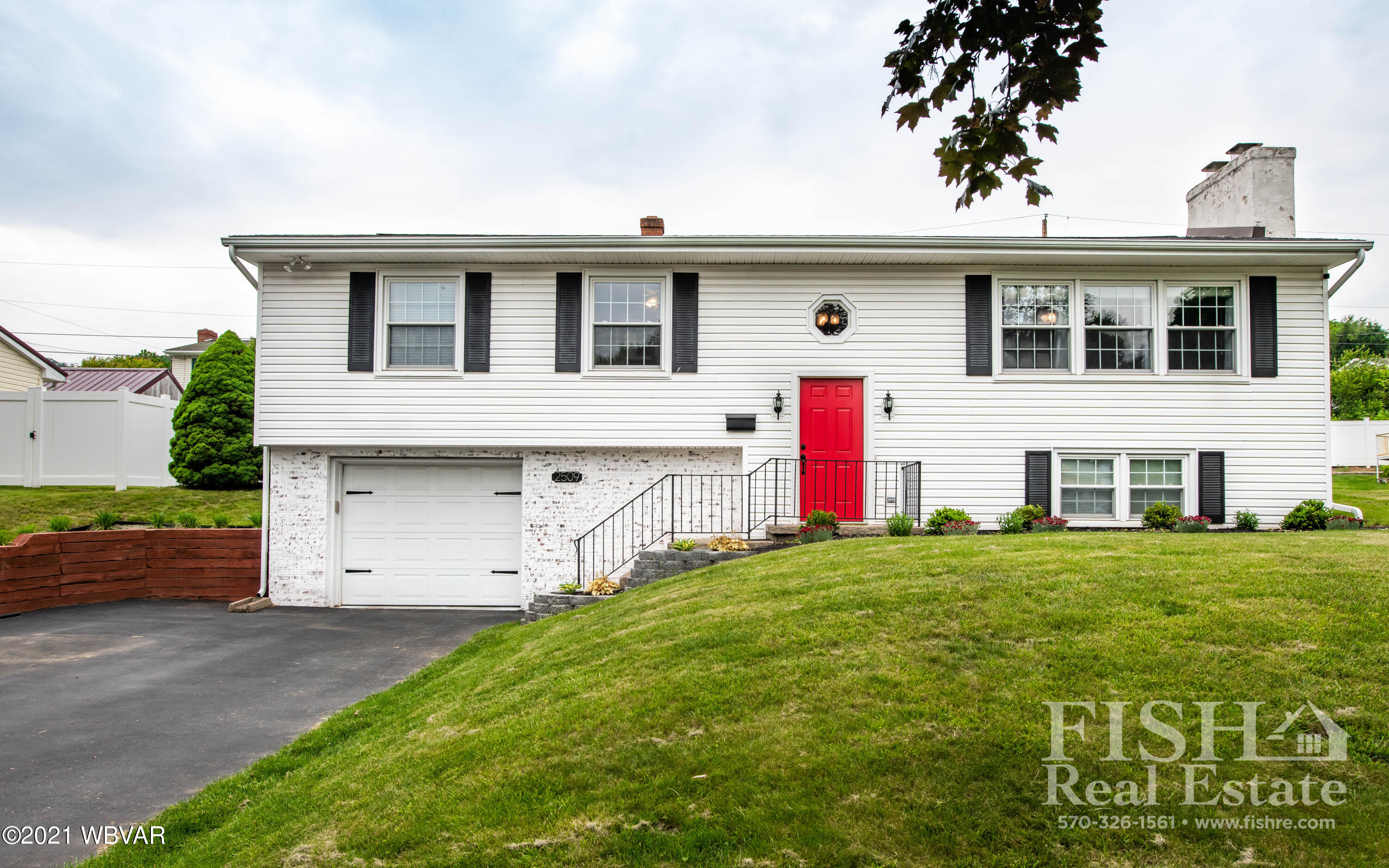 2509 HILLS DRIVE, Williamsport, PA 17701, 4 Bedrooms Bedrooms, ,2.5 BathroomsBathrooms,Residential,For sale,HILLS,WB-92823