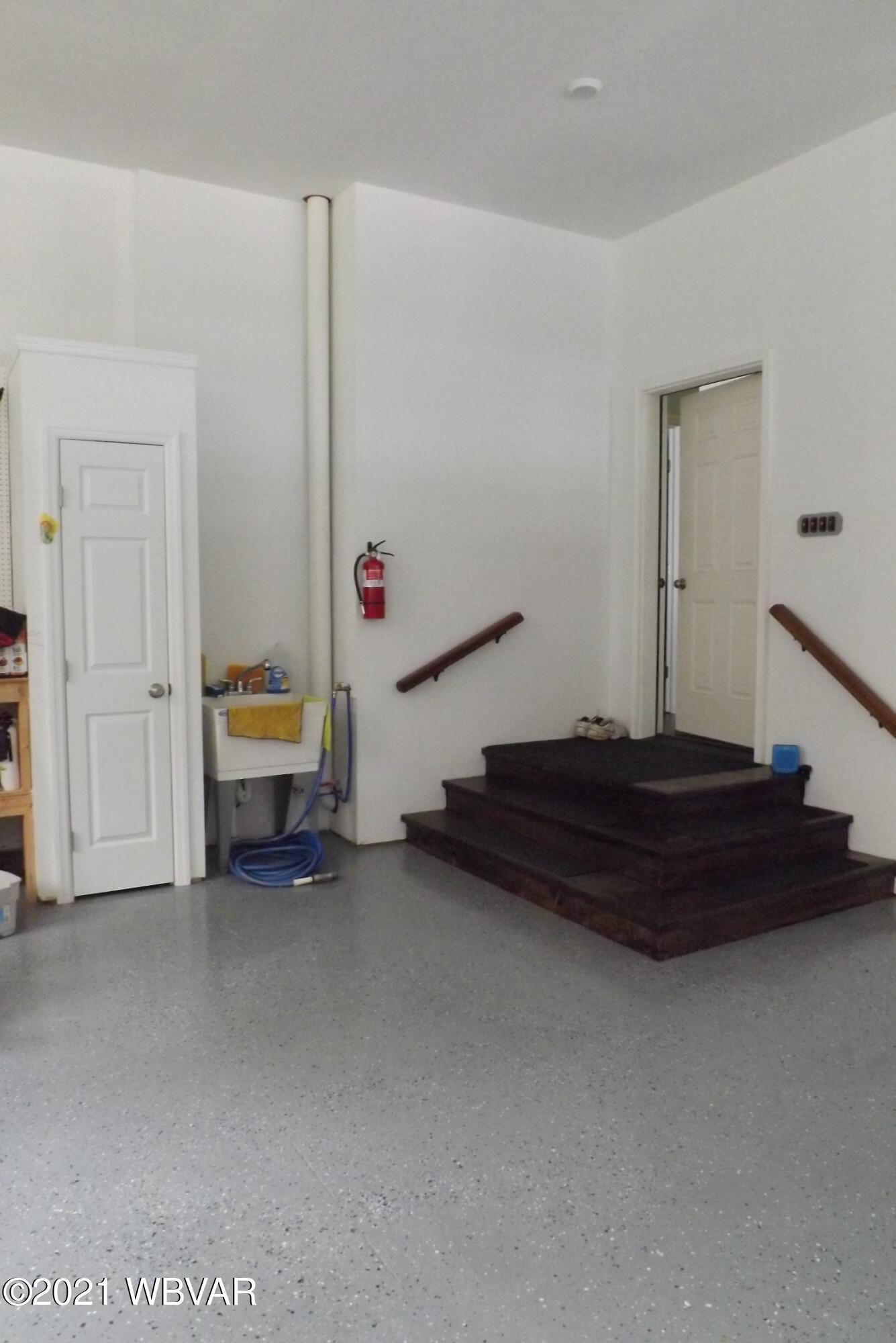 Garage/Utility Closet