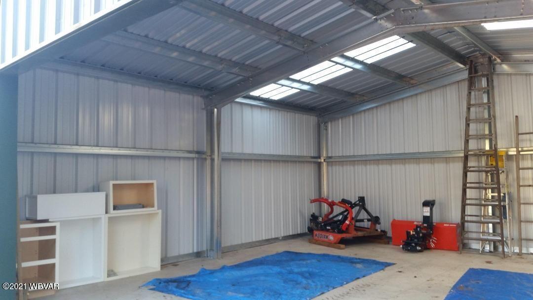 Garage interior2