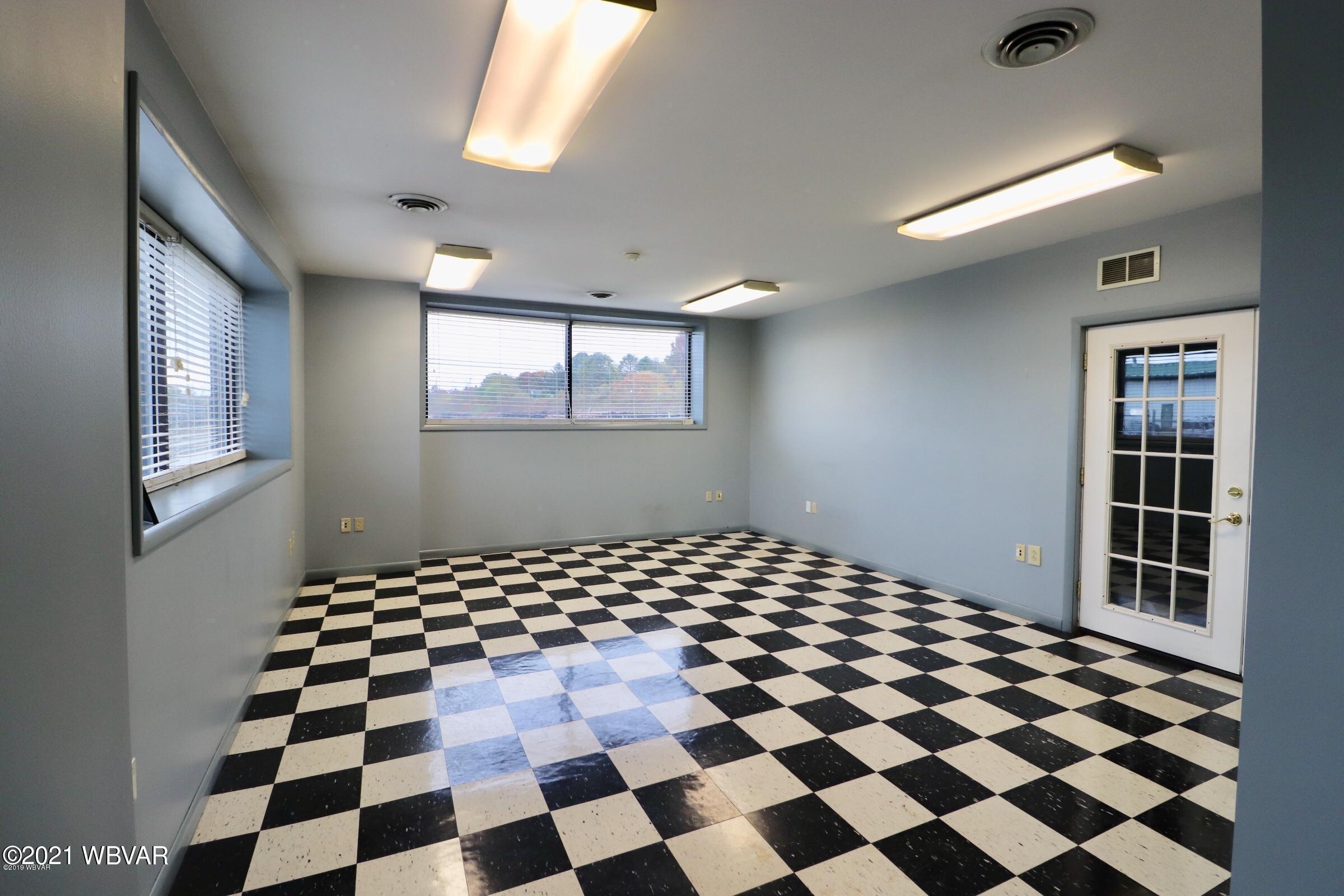 2 Tyler interior 1