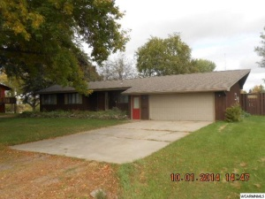 Property for sale at 721 Des Moines Drive, Windom,  MN 56101