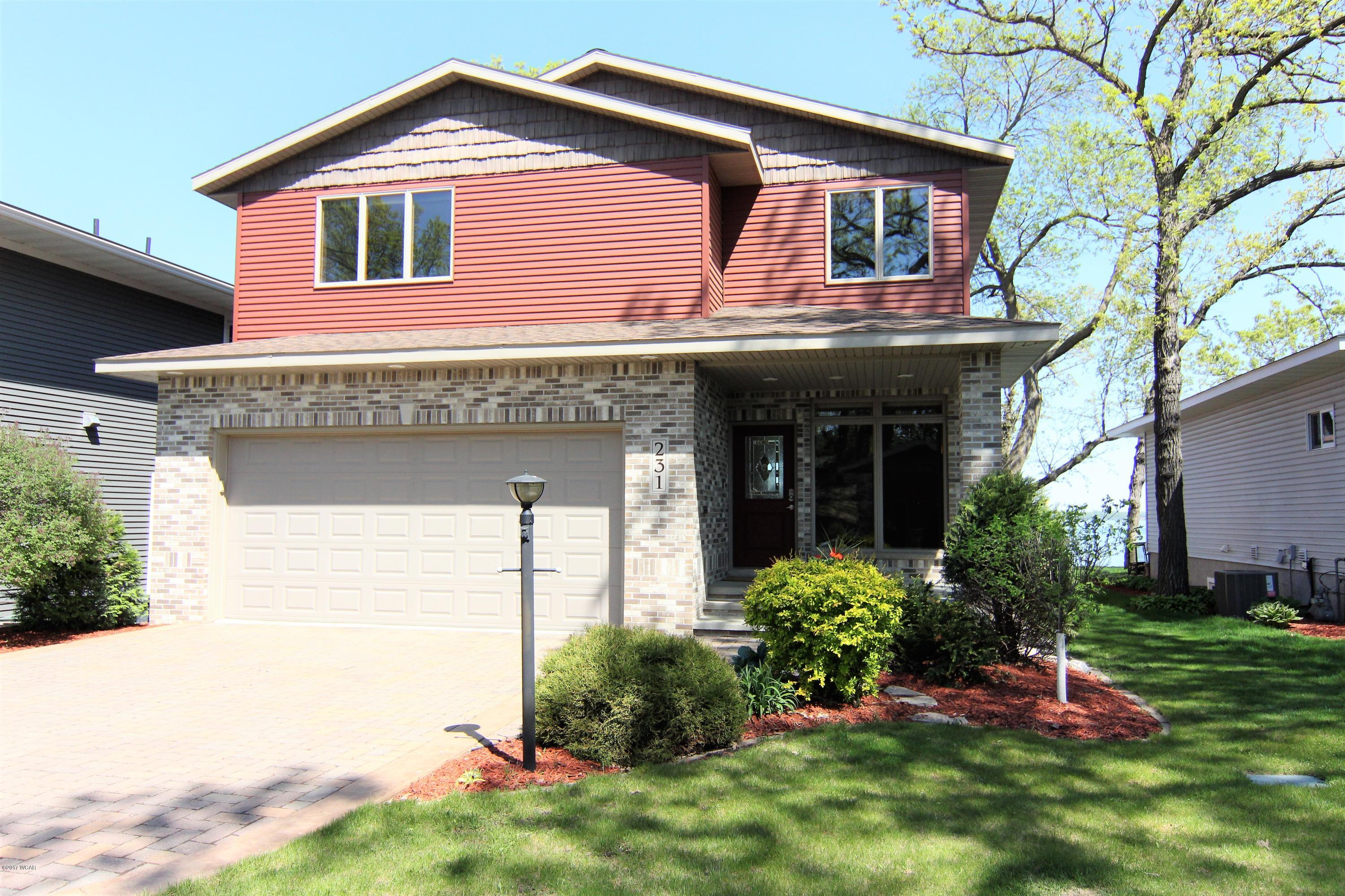231 S Lake Ave,Spicer,3 Bedrooms Bedrooms,4 BathroomsBathrooms,Single Family,S Lake Ave,6029836