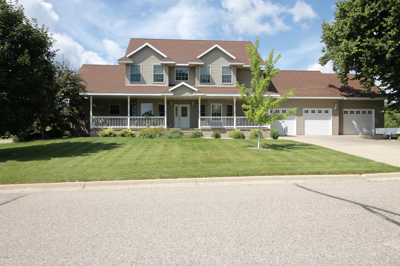 100 16th Avenue,Willmar,4 Bedrooms Bedrooms,4 BathroomsBathrooms,Single Family,16th Avenue,6031502