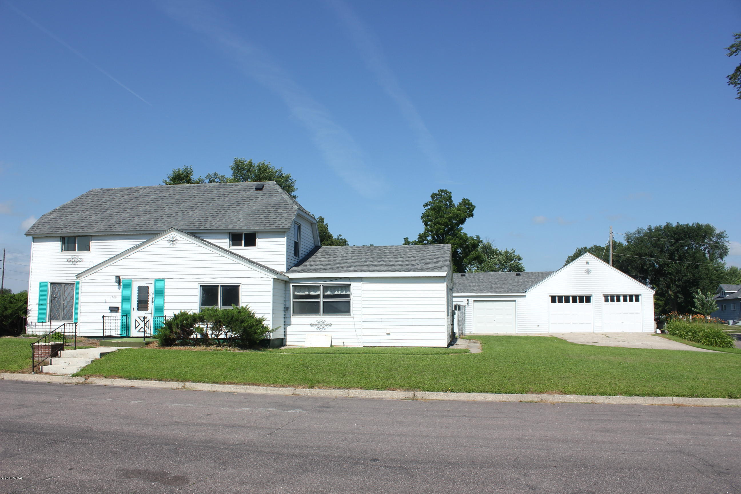 1700 Atlantic Avenue,Benson,3 Bedrooms Bedrooms,4 BathroomsBathrooms,Single Family,Atlantic Avenue,6031592