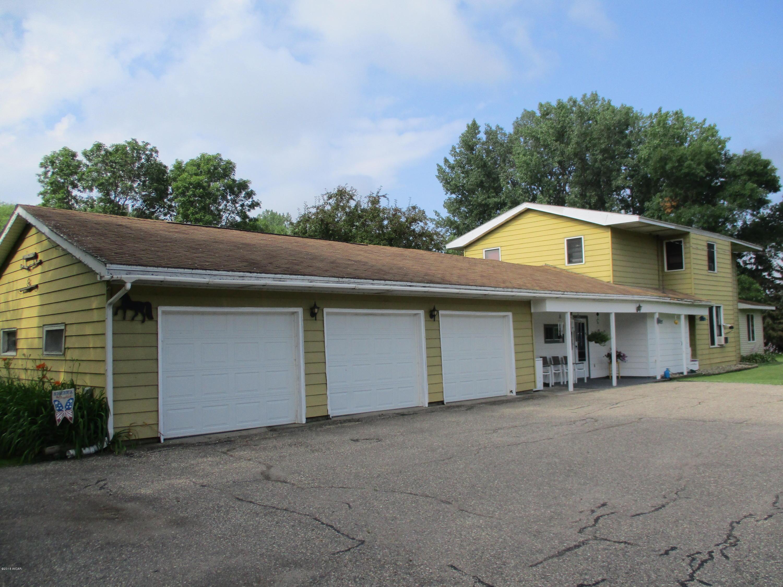 4960 E Eagle Lake Road,Willmar,4 Bedrooms Bedrooms,2 BathroomsBathrooms,Single Family,E Eagle Lake Road,6031623
