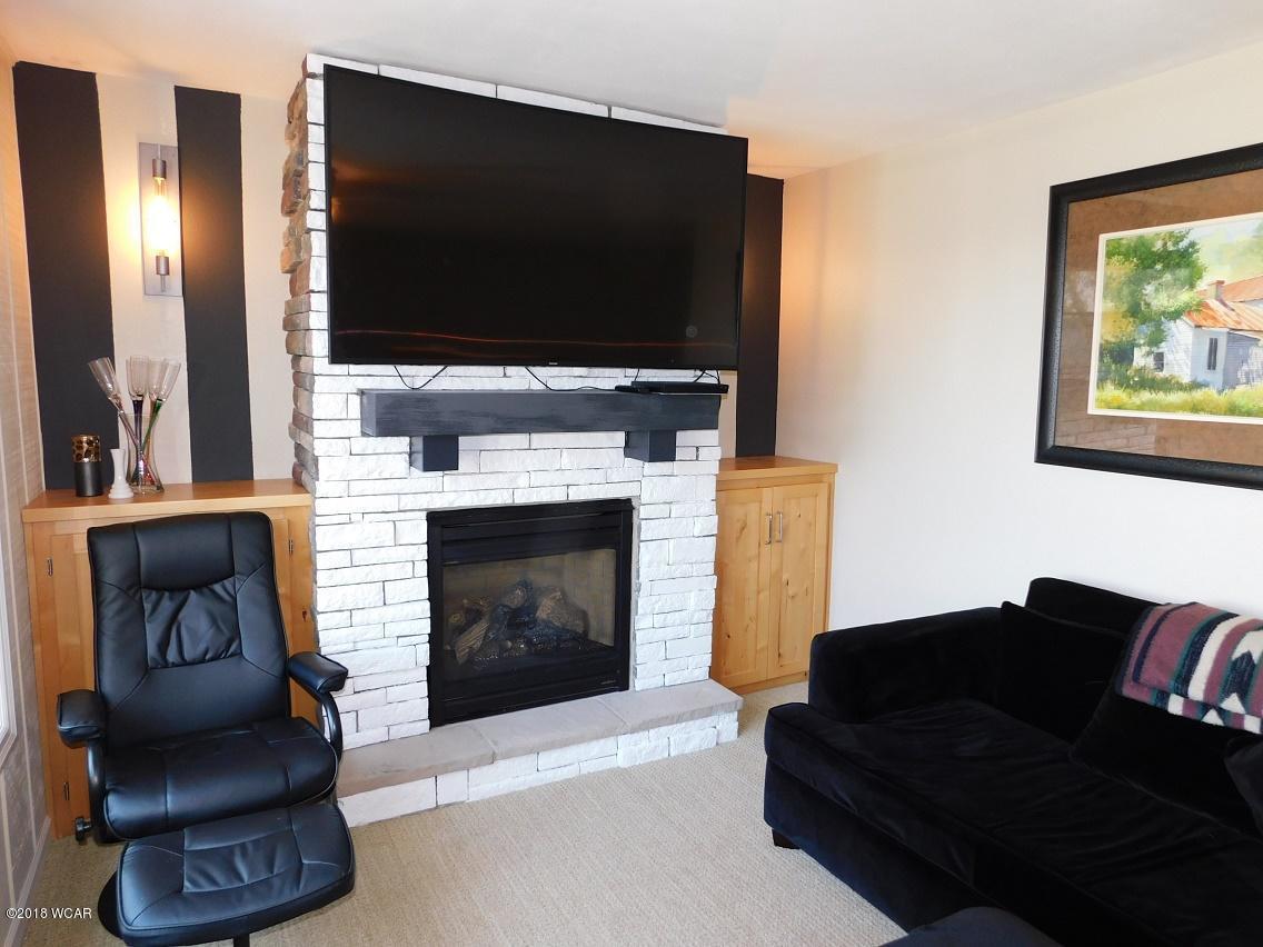 319 Lake Avenue,Spicer,5 Bedrooms Bedrooms,3 BathroomsBathrooms,Single Family,Lake Avenue,6032252