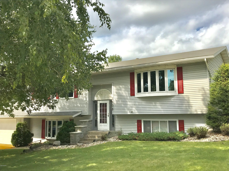 2108 6th Avenue,Willmar,4 Bedrooms Bedrooms,2 BathroomsBathrooms,Single Family,6th Avenue,6032259