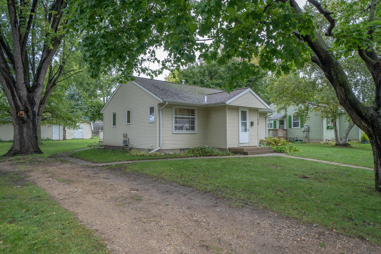 936 4th Street,Willmar,2 Bedrooms Bedrooms,1 BathroomBathrooms,Single Family,4th Street,6032356
