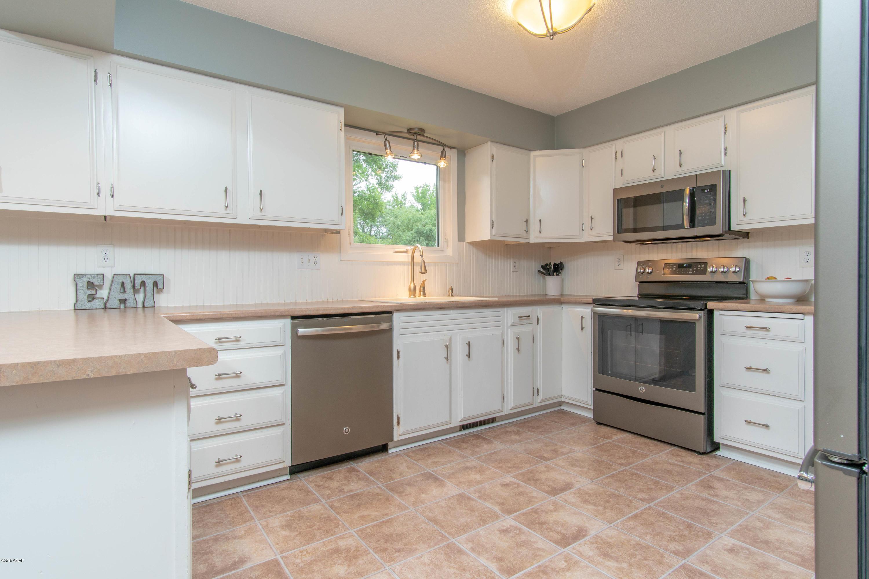 1405 18th Street,Willmar,4 Bedrooms Bedrooms,3 BathroomsBathrooms,Single Family,18th Street,6032375