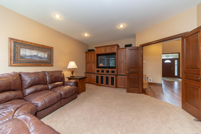 1058 75th Street,Pennock,5 Bedrooms Bedrooms,4 BathroomsBathrooms,Single Family,75th Street,6032425