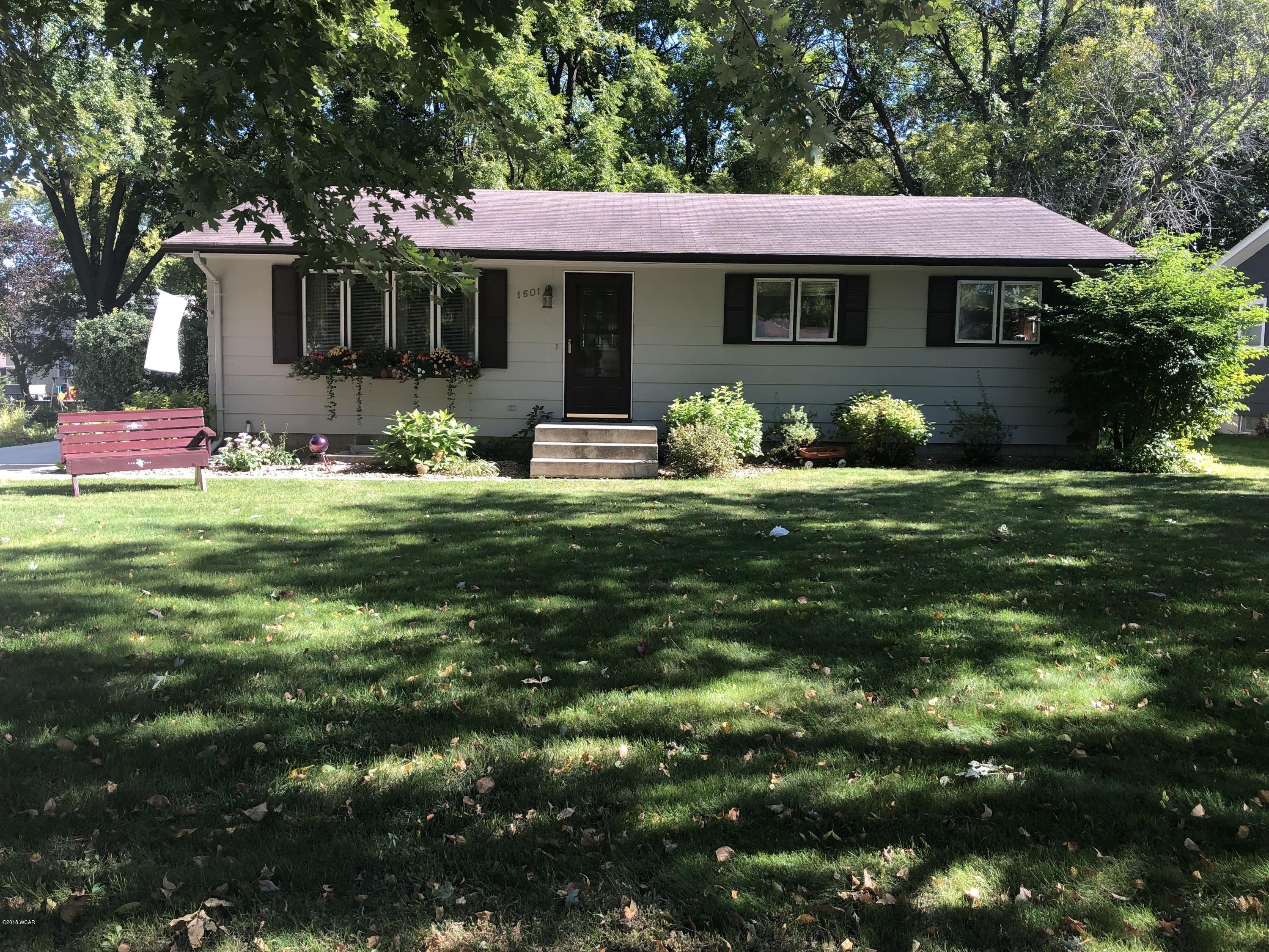 1601 8th Street,Willmar,3 Bedrooms Bedrooms,2 BathroomsBathrooms,Single Family,8th Street,6032501