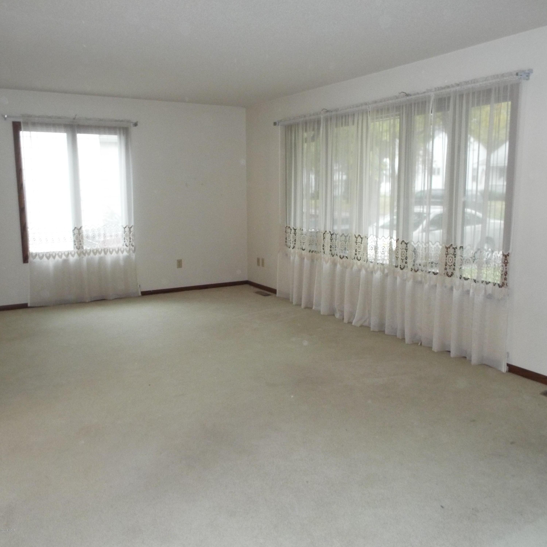 422 1st Street,Clara City,3 Bedrooms Bedrooms,2 BathroomsBathrooms,Single Family,1st Street,6032576