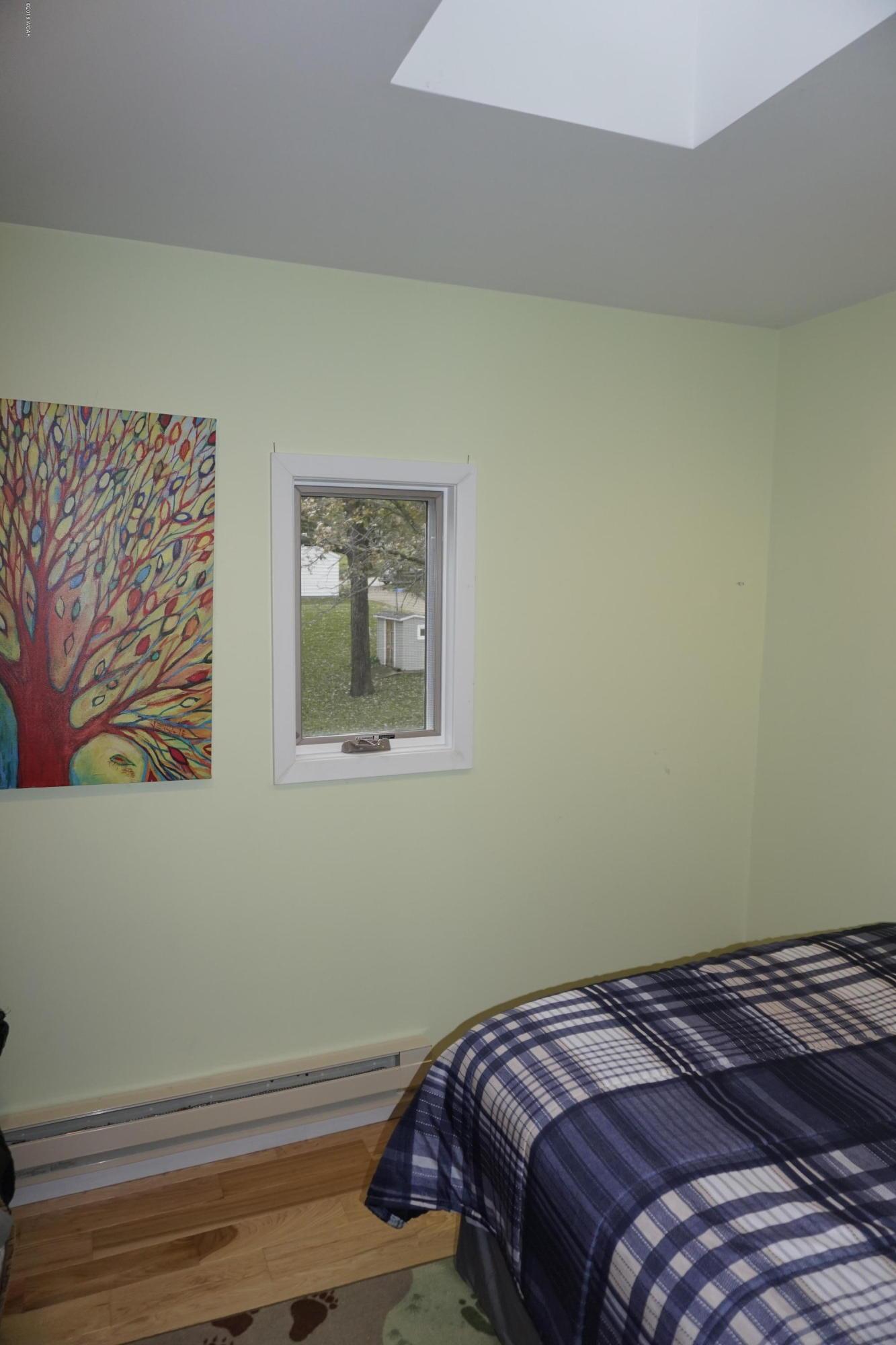 20805 Edgewater Road,Richmond,2 Bedrooms Bedrooms,1 BathroomBathrooms,Single Family,Edgewater Road,6032606