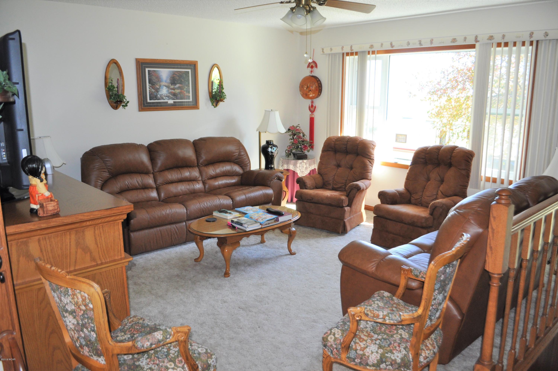 424 8th Street,Renville,3 Bedrooms Bedrooms,2 BathroomsBathrooms,Single Family,8th Street,6032651