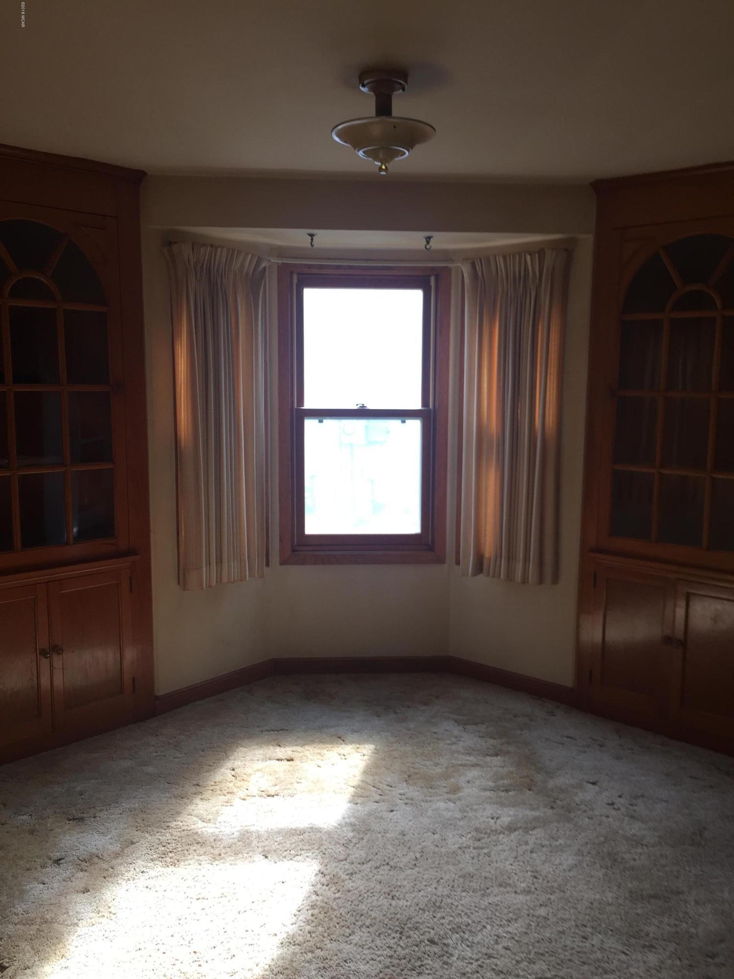 920 6th Street,Willmar,3 Bedrooms Bedrooms,1 BathroomBathrooms,Single Family,6th Street,6032658
