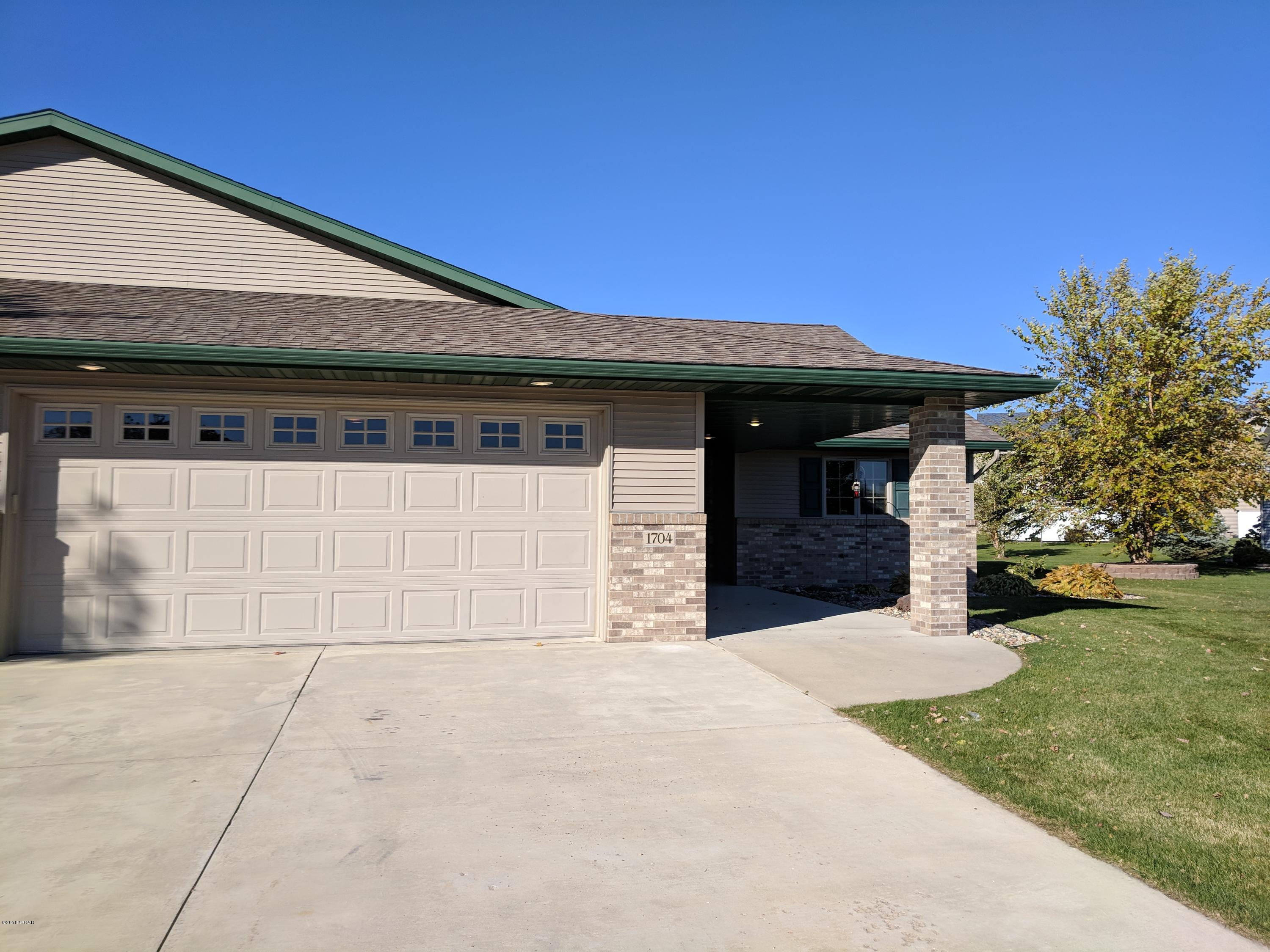1704 Lower Trentwood Circle,Willmar,2 Bedrooms Bedrooms,2 BathroomsBathrooms,Single Family,Lower Trentwood Circle,6032659