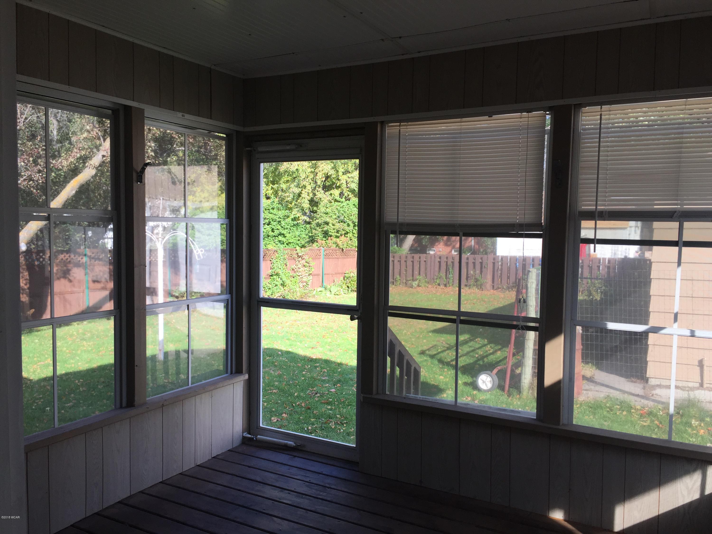 815 16th Street,Willmar,3 Bedrooms Bedrooms,2 BathroomsBathrooms,Single Family,16th Street,6032679