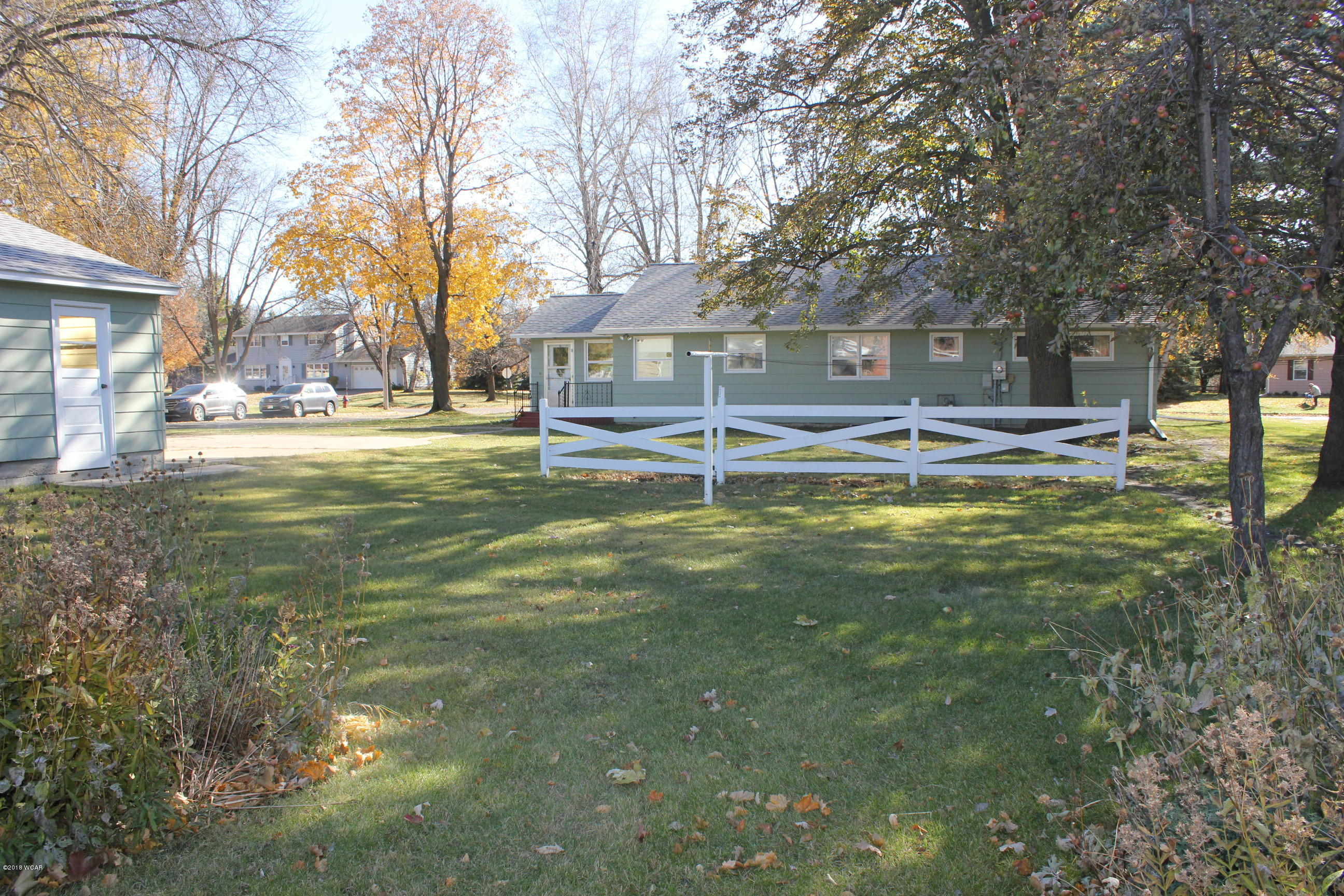 1100 Oakwood Avenue,Benson,3 Bedrooms Bedrooms,3 BathroomsBathrooms,Single Family,Oakwood Avenue,6032723
