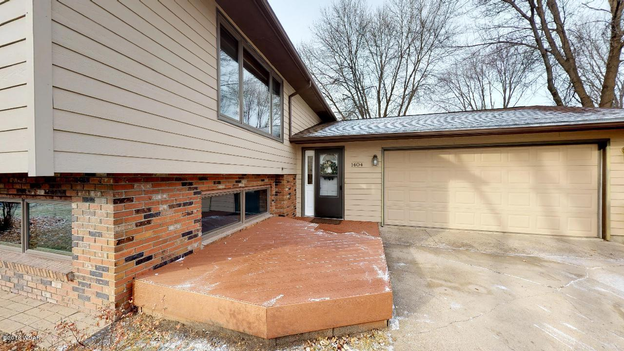 1404 17th Street,Willmar,3 Bedrooms Bedrooms,2 BathroomsBathrooms,Single Family,17th Street,6032948
