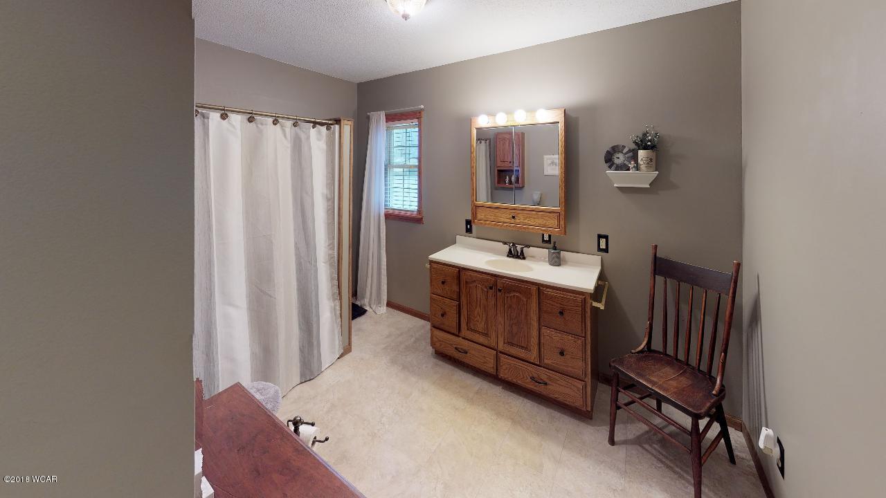 206 Pine Street,New London,4 Bedrooms Bedrooms,2 BathroomsBathrooms,Single Family,Pine Street,6033111