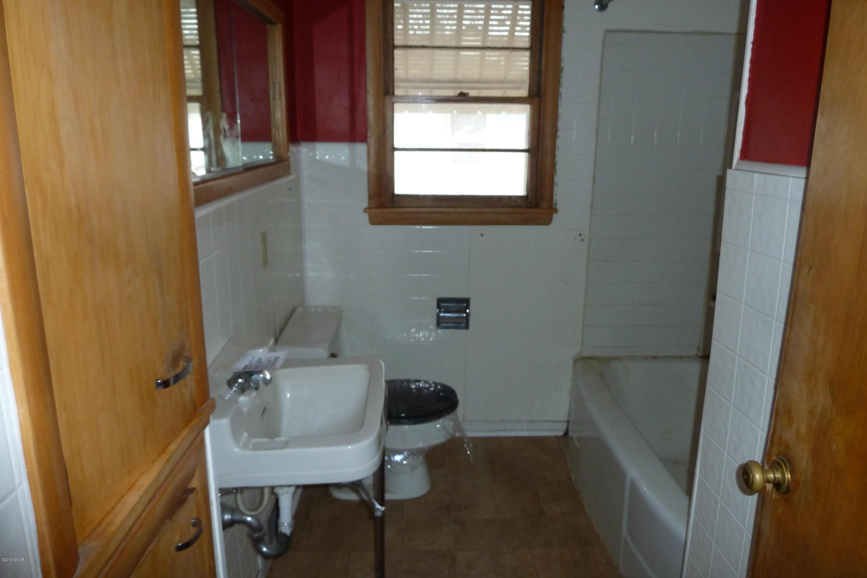 203 W Borden Avenue,Buffalo Lake,2 Bedrooms Bedrooms,1 BathroomBathrooms,Single Family,W Borden Avenue,6033211