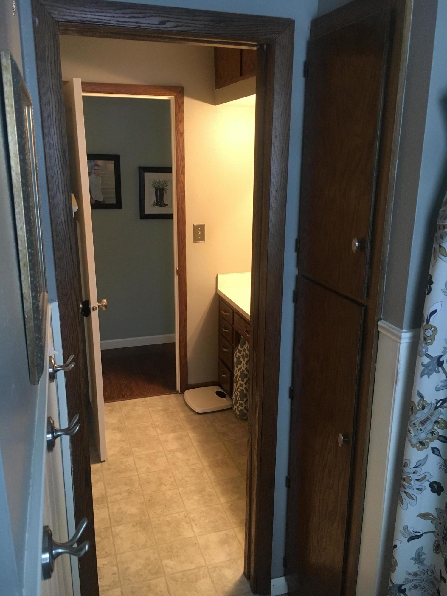 2400 NE Country Club Drive,Willmar,5 Bedrooms Bedrooms,3 BathroomsBathrooms,Single Family,NE Country Club Drive,6033435