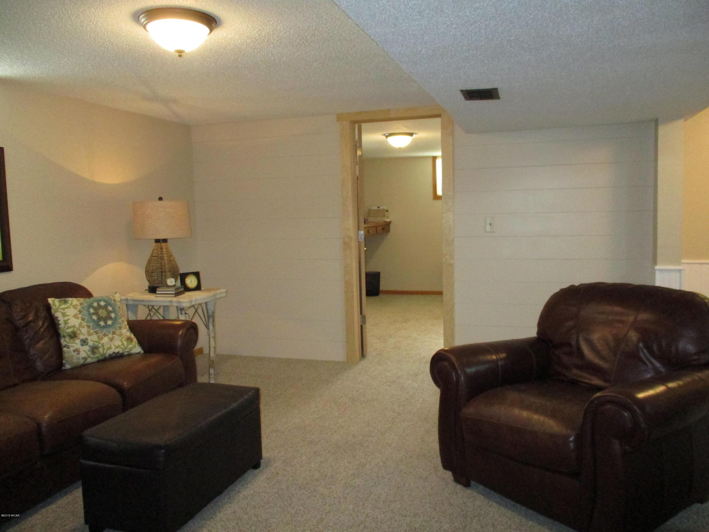 1006 17th Street,Willmar,4 Bedrooms Bedrooms,2 BathroomsBathrooms,Single Family,17th Street,6033448