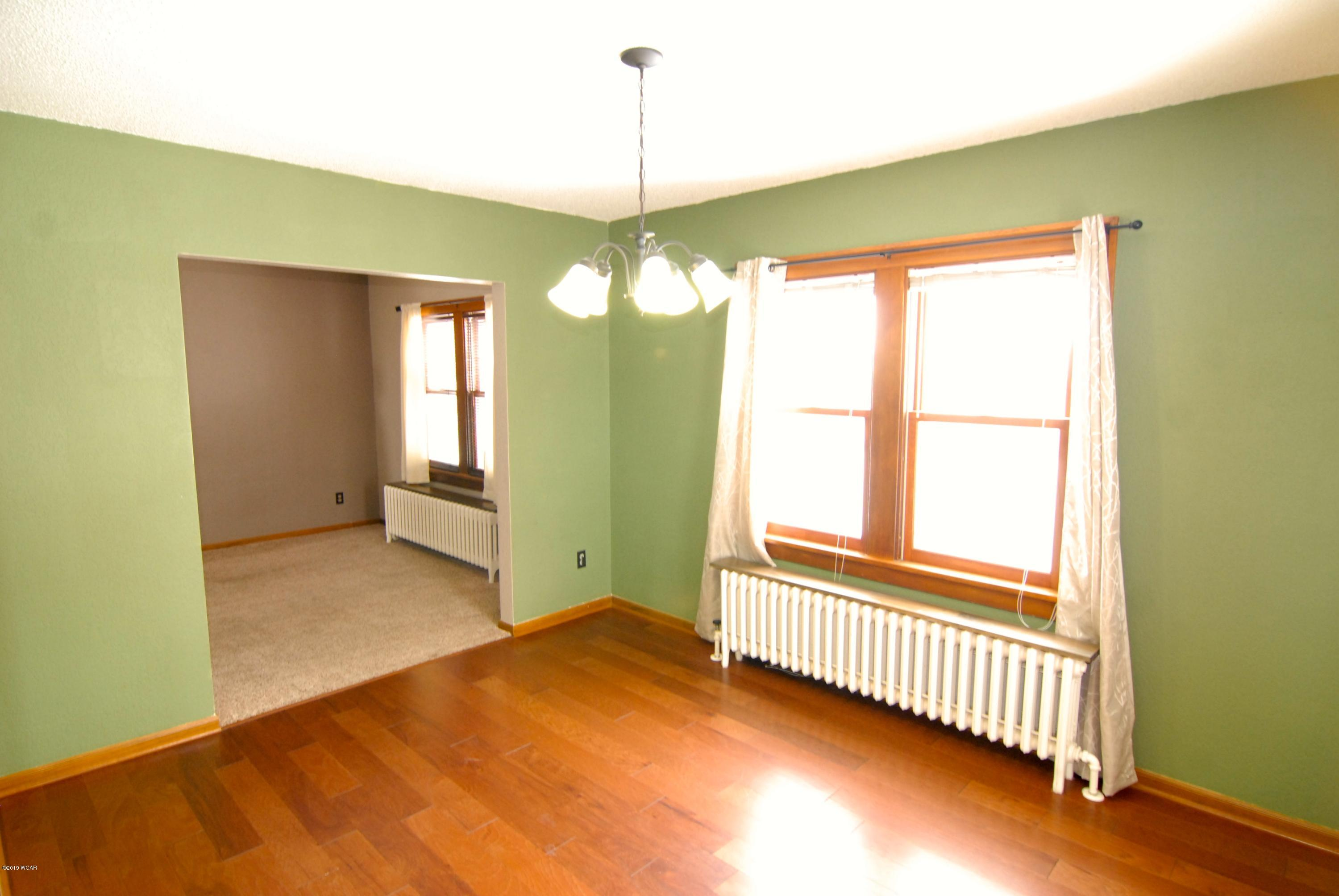 325 2nd Street,Fairfax,2 Bedrooms Bedrooms,2 BathroomsBathrooms,Single Family,2nd Street,6033484