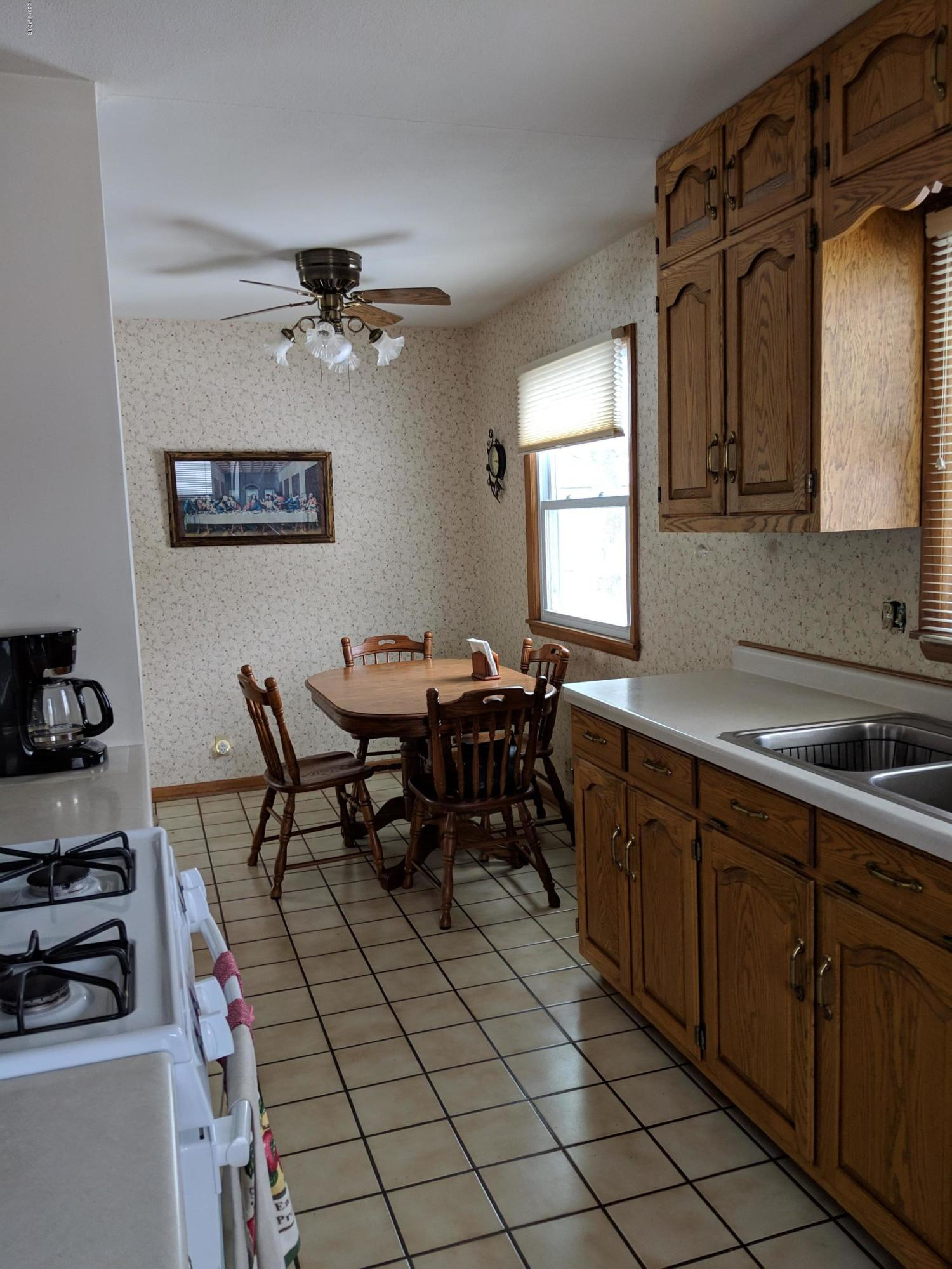 1124 SE Trott Avenue,Willmar,3 Bedrooms Bedrooms,2 BathroomsBathrooms,Single Family,SE Trott Avenue,6033547